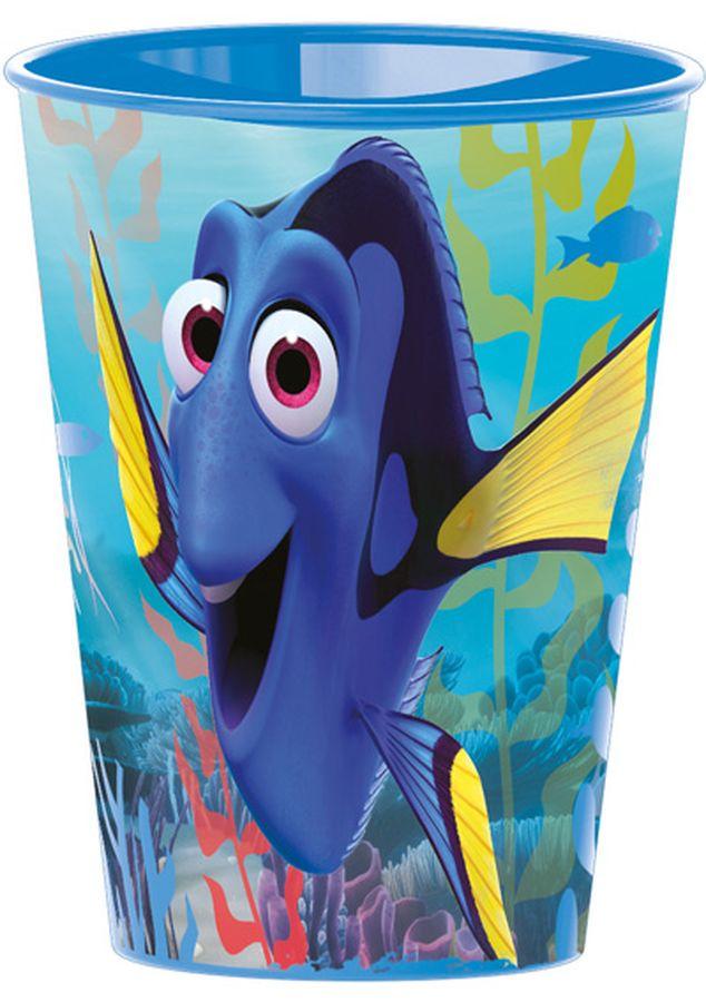 Disney Стакан В поисках Дори 260 мл84507Стакан Disney изготовлен из качественного пластика. Это очень удобно и безопасно, так как этот материал не бьется. Изделие декорировано красочным изображением любимых мультипликационных героев, что обязательно понравится малышу и сделает стакан его самым любимым.
