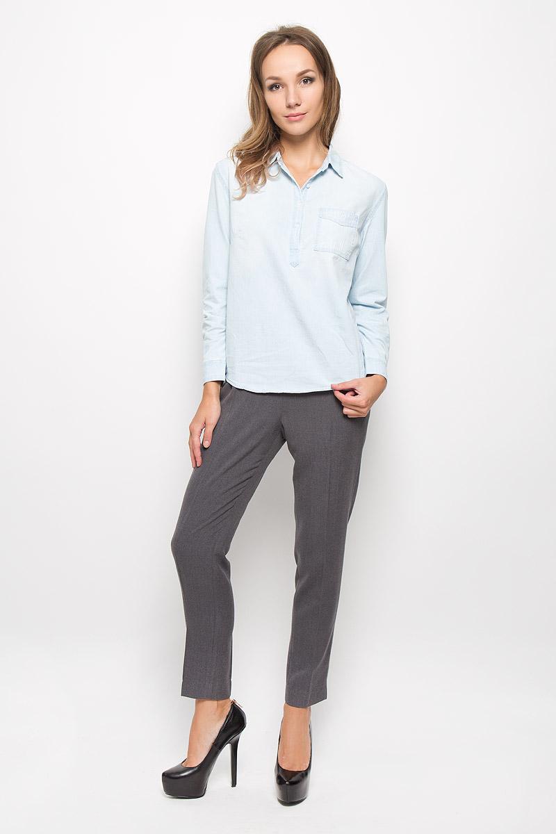 Рубашка женская Sela Casual, цвет: светло-голубой. Bj-332/027-6313. Размер XL (50)Bj-332/027-6313Женская рубашка Sela Casual, выполненная из натурального хлопка, идеально подойдет для повседневной носки. Материал изделия приятный на ощупь, не стесняет движений и позволяет коже дышать, обеспечивая комфорт. Рубашка с отложным воротником и длинными рукавами застегивается сверху на пуговицы. На манжетах предусмотрены застежки-пуговицы. На груди расположен накладной карман с застежкой-пуговицей. Такая рубашка подчеркнет ваш вкус и поможет создать современный и стильный образ!