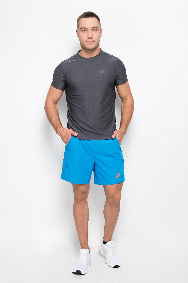 Шорты для тенниса мужские Asics Athlete 7in Short, цвет: голубой. 134644-8094. Размер XL (52/54)134644-8094Мужские шорты для тенниса Asics Athlete 7in Short - это незаменимый атрибут в гардеробе любого спортсмена. Стильные удобные шорты выполнены из высококачественного полиэстера, благодаря чему превосходно сидят, не стесняют движений и великолепно отводят влагу, оставляя тело сухим даже во время интенсивных тренировок. Сетчатая подкладка выполнена из эластичного полиэстера. Модель дополнена широкой эластичной резинкой на талии. Объем пояса регулируется при помощи шнурка-кулиски. Шорты имеют два втачных кармана спереди. Модель оформлена прорезиненным логотипом. Устремляясь за очередным укороченным ударом и высоким мячом, используйте всю силу ног, а легкие шорты помогут вам в этом: они подарят комфорт и полную свободу движений. Эти модные шорты послужат отличным дополнением к вашему спортивному гардеробу. В них вы всегда будете чувствовать себя уверенно и комфортно.