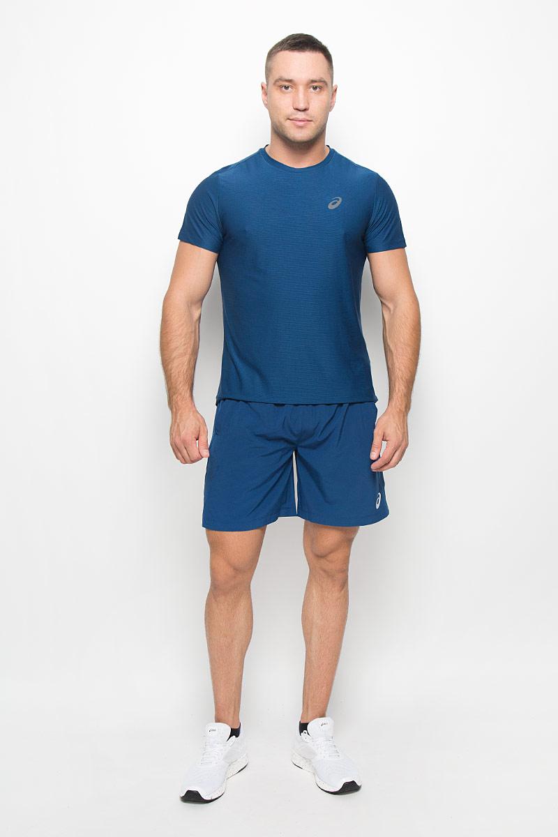 Футболка для бега мужская Asics SS Top, цвет: синий. 134084-8130. Размер S (46/48)134084-8130Стильная мужская футболка для бега Asics SS Top, выполненная из высококачественного полиэстера, обладает высокой воздухопроницаемостью и превосходно отводит влагу от тела, оставляя кожу сухой даже во время интенсивных тренировок. Такая футболка великолепно подойдет как для повседневной носки, так и для спортивных занятий.Модель с короткими рукавами и круглым вырезом горловины - идеальный вариант для создания модного современного образа. Футболка оформлена светоотражающим логотипом на груди и контрастной полоской на спинке. Такая футболка идеально подойдет для занятий спортом и бега. В ней вы всегда будете чувствовать себя уверенно и комфортно.