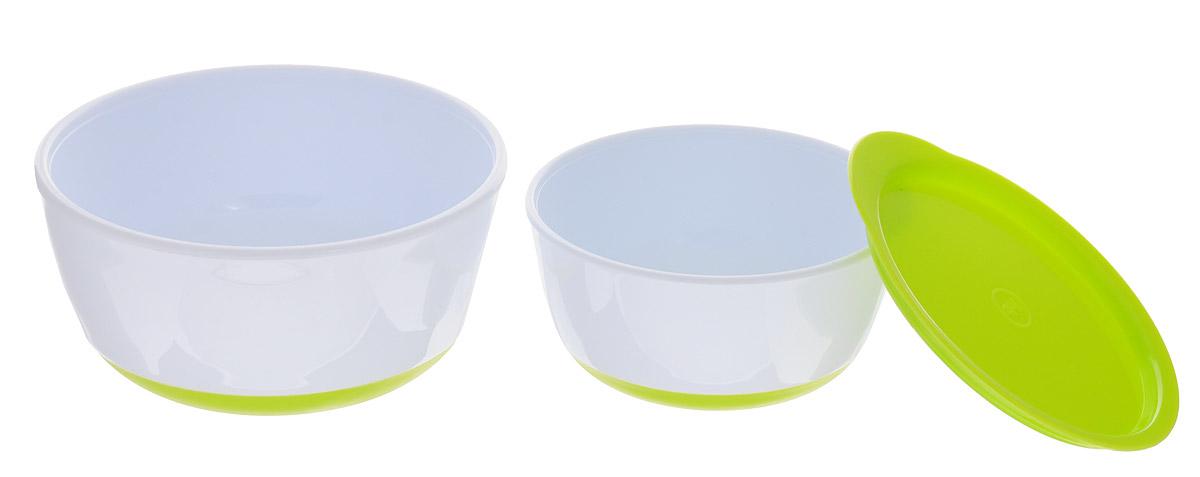 Happy Baby Набор детских тарелок с крышкой цвет салатовый15025 LIMEНабор детских тарелок Happy Baby включает в себя 2 тарелки и крышку.Глубокие тарелки отлично подойдут для ребенка от 6 месяцев, сделав процесс кормления приятным и комфортным. Благодаря герметичной крышке на маленькой тарелке ее можно взять с собой. Удобно для хранения продуктов. Нескользящее дно тарелочек предотвращает от случайного падения и проливания.Не содержит бисфенол А.