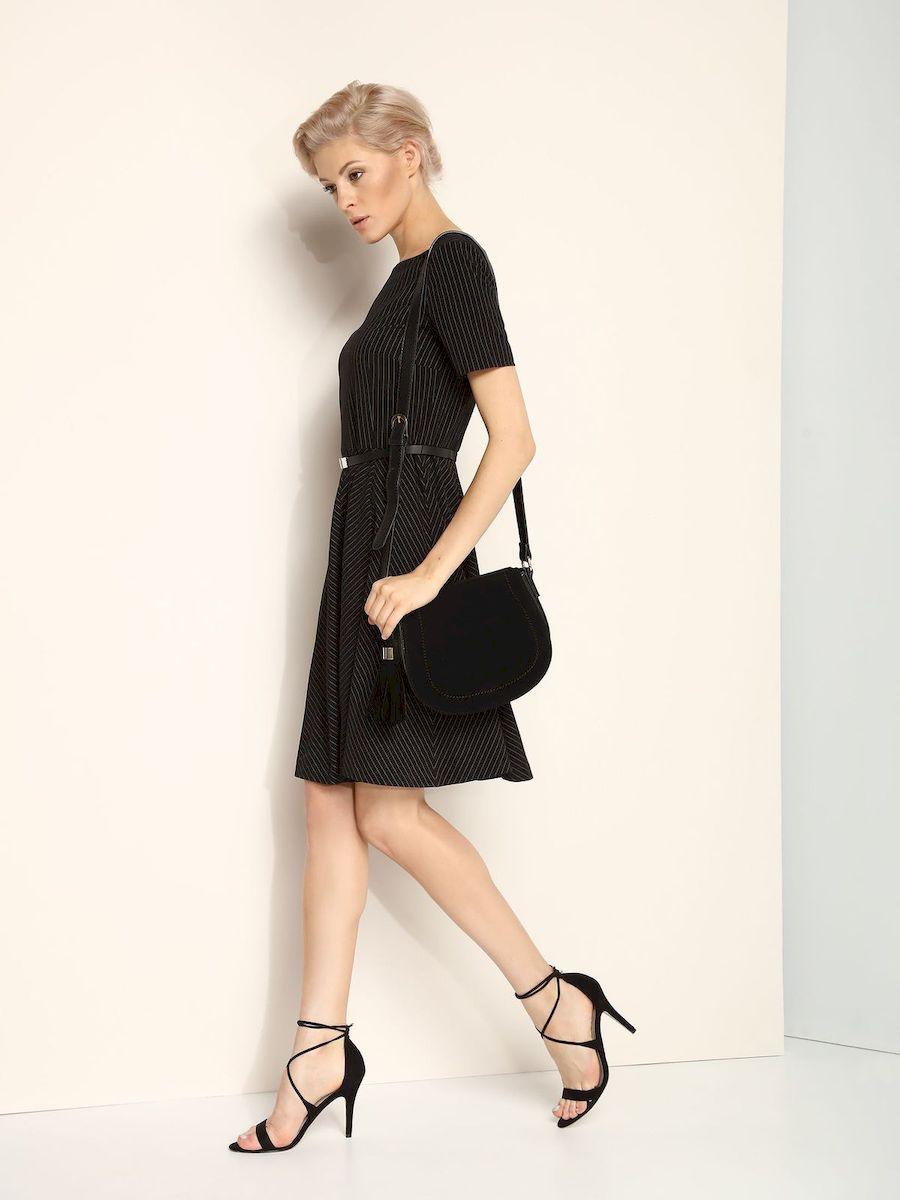Платье Top Secret, цвет: черный. SSU1618CA. Размер 34 (40)SSU1618CAЭлегантное платье Top Secret, изготовленное из сочетания высококачественных материалов на подкладке из полиэстера, оно приятное на ощупь, не раздражает кожу и хорошо вентилируется.Модель-миди с круглым вырезом горловины и стандартными короткими рукавами застегивается по спинке на потайную молнию. В поясе платье дополнено декоративным ремешком. Оформлено изделие принтом в полоску.
