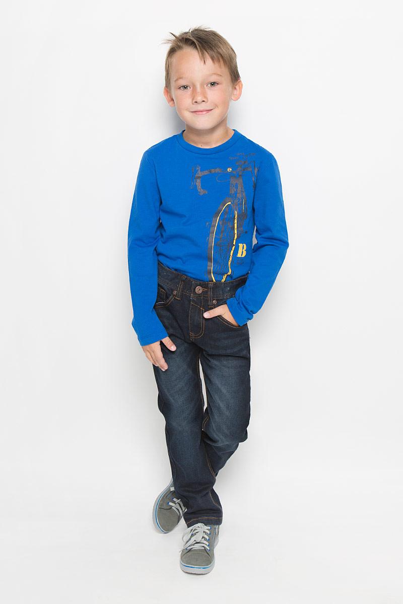 Джинсы для мальчика Sela Denim, цвет: темно-синий. PJ-835/853-6342_м895310002. Размер 152, 12 летPJ-835/853-6342_м895310002Стильные джинсы для мальчика Sela Denim идеально подойдут юному моднику для отдыха и прогулок. Изготовленные из высококачественного материала, они мягкие и приятные на ощупь, не сковывают движения и позволяют коже дышать, обеспечивая наибольший комфорт.Джинсы прямого кроя, на талии застегиваются на металлическую пуговицу и имеют ширинку на застежке-молнии, а также шлевки для ремня. С внутренней стороны пояс регулируется скрытой резинкой на пуговицах. Модель имеет классический пятикарманный крой: спереди - два втачных кармана и один маленький накладной, а сзади - два накладных кармана. Оформлено изделие легким эффектом потертости и контрастной прострочкой. Современный дизайн и расцветка делают эти джинсы модным предметом детской одежды. В них ребенок всегда будет в центре внимания!