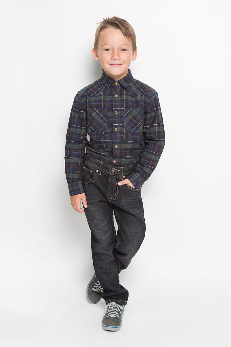 Джинсы для мальчика Sela Denim, цвет: темно-серый. PJ-835/850-6342. Размер 128, 8 летPJ-835/850-6342Утепленные стильные джинсы для мальчика Sela Denim идеально подойдут юному моднику для отдыха и прогулок. Изготовленные из высококачественного материала, они мягкие и приятные на ощупь, не сковывают движения и позволяют коже дышать, обеспечивая наибольший комфорт. Утеплитель из 100% полиэстера.Джинсы прямого кроя, на талии застегиваются на металлическую пуговицу и имеют ширинку на застежке-молнии, а также шлевки для ремня. С внутренней стороны пояс регулируется скрытой резинкой на пуговицах. Модель имеет классический пятикарманный крой: спереди - два втачных кармана и один маленький накладной, а сзади - два накладных кармана. Оформлено изделие контрастной прострочкой и легким эффектом потертости. Современный дизайн и расцветка делают эти джинсы модным предметом детской одежды. В них ребенок всегда будет в центре внимания!