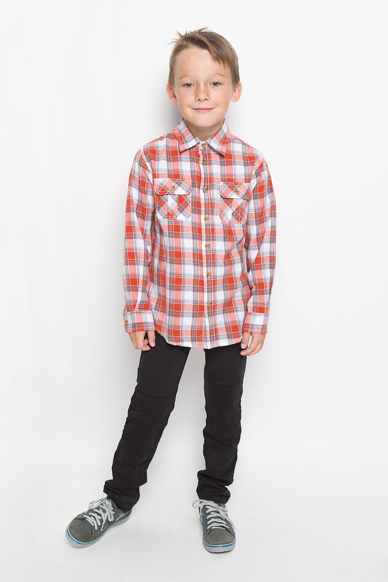Рубашка для мальчика Sela, цвет: белый, оранжевый. H-812/193-6313. Размер 116, 6 летH-812/193-6313Стильная рубашка для мальчика Sela идеально подойдет вашему ребенку. Изготовленная из натурального хлопка, она мягкая и приятная на ощупь, обладает высокой износостойкостью, не сковывает движения и позволяет коже дышать, обеспечивая наибольший комфорт. Рубашка с длинными рукавами и отложным воротничком застегивается на пластиковые пуговицы по всей длине. Манжеты рукавов также застегиваются на пуговицы. Классическая рубашка, оформленная принтом в клетку, дополнена двумя накладными нагрудными карманами. Она будет превосходно сочетаться как с джинсами, так и с классическими брюками. Современный дизайн и расцветка делают эту рубашку стильным предметом детского гардероба.