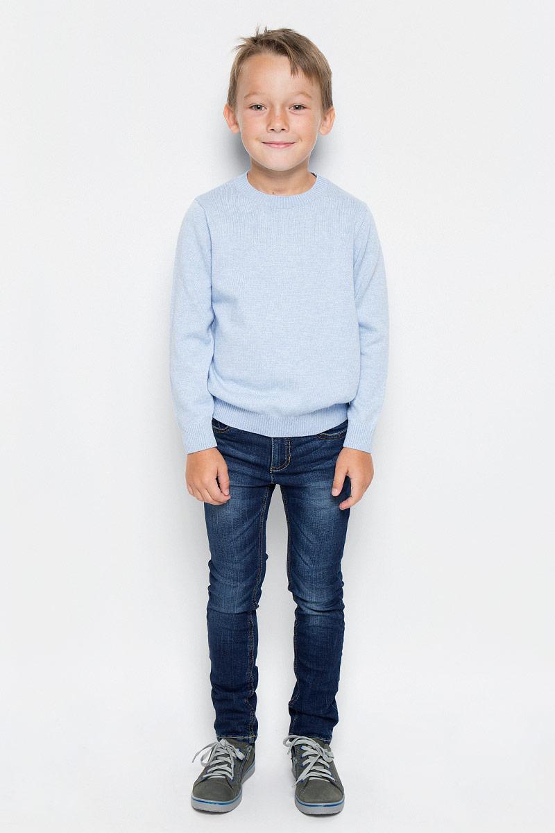Джемпер для мальчика Sela, цвет: светло-голубой. JR-714/162-6332. Размер 110, 5 летJR-714/162-6332Модный джемпер Sela, изготовленный из хлопка и нейлона с добавлением шерсти, станет отличным дополнением к гардеробу вашего мальчика. Материал изделия приятный на ощупь, не сковывает движений и позволяет коже дышать, не раздражает даже самую нежную и чувствительную кожу ребенка, обеспечивая наибольший комфорт.Модель с круглым вырезом горловины и длинными рукавами придется по душе вашему мальчику. Горловина, манжеты рукавов и низ джемпера связаны резинкой. Современный дизайн и расцветка делают этот джемпер стильным предметом детского гардероба. В нем ваш мальчик будет чувствовать себя уютно и комфортно, и всегда будет в центре внимания!