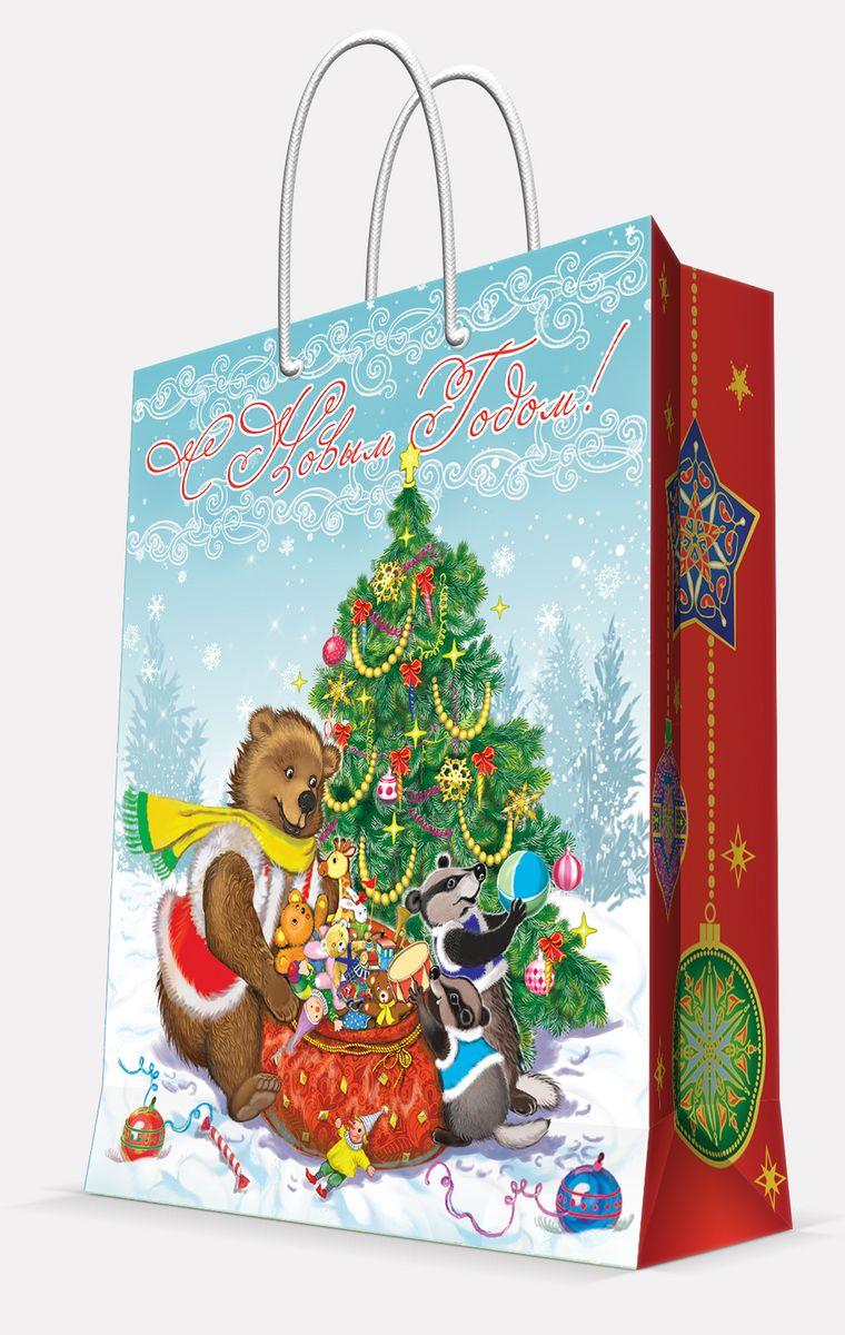 Пакет подарочный Magic Time Медвежонок и еноты, 26 х 32,4 х 12,7 см42009Подарочный пакет Magic Time Медвежонок и еноты, изготовленный из плотной бумаги, станет незаменимым дополнением к выбранному подарку. Пакет выполнен с глянцевой ламинацией, что придает ему прочность, а изображению - яркость и насыщенность цветов. Для удобной переноски на пакете имеются две ручки из шнурков.Подарок, преподнесенный в оригинальной упаковке, всегда будет самым эффектным и запоминающимся. Окружите близких людей вниманием и заботой, вручив презент в нарядном, праздничном оформлении.Плотность бумаги: 140 г/м2.