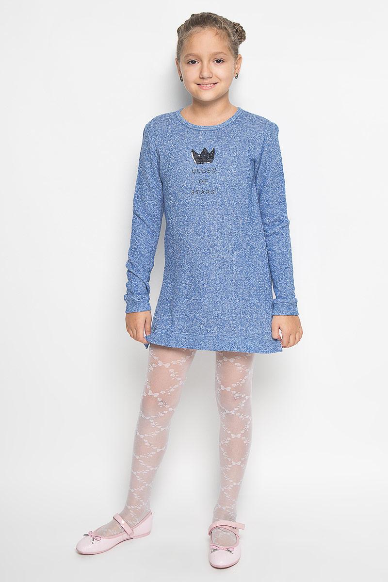 Платье для девочки Sela, цвет: синий меланж. DK-617/423-6382. Размер 122, 7 летDK-617/423-6382Платье для девочки Sela станет отличным дополнением к гардеробу вашей модницы. Платье изготовлено из хлопка с добавлением полиэстера, оно приятное на ощупь, не сковывает движения и позволяет коже дышать, обеспечивая комфорт. Изнаночная сторона с небольшими петельками. Модель с круглым вырезом горловины и длинными рукавами застегивается сзади на металлическую молнию. На рукавах имеются манжеты. По бокам предусмотрены небольшие разрезы. Украшено изделие аппликацией в виде короны из пайеток, а также принтовой надписью.В таком стильном платье ваша принцесса всегда будет в центре внимания!