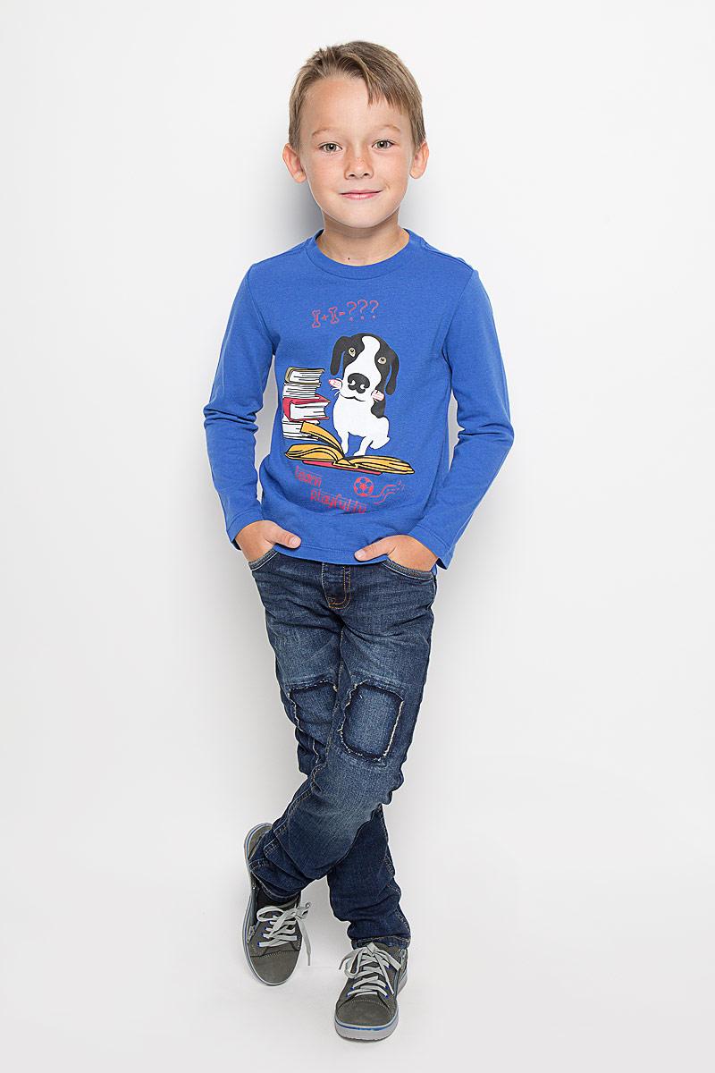 Джинсы для мальчика Tom Tailor, цвет: синий. 6204650.40.30_1097. Размер 1646204650.40.30_1097Стильные джинсы Tom Tailor станут отличным дополнением к гардеробу вашего мальчика. Изготовленные из эластичного хлопка, они необычайно мягкие и приятные на ощупь, не сковывают движения и позволяют коже дышать, не раздражают даже самую нежную и чувствительную кожу ребенка, обеспечивая наибольший комфорт.Джинсы застегиваются на пуговицу в поясе и ширинку на застежке-молнии. С внутренней стороны пояс дополнен регулируемой эластичной резинкой, которая позволяет подогнать модель по фигуре. На поясе предусмотрены шлевки для ремня. Джинсы имеют классический пятикарманный крой: спереди модель оформлена двумя втачными карманами и одним маленьким накладным кармашком, а сзади - двумя накладными карманами. Модель оформлена декоративными заплатками и эффектом потертости.Современный дизайн и расцветка делают эти джинсы модным и стильным предметом детского гардероба. В них вам мальчик будет чувствовать себя уютно и комфортно, и всегда будет в центре внимания!