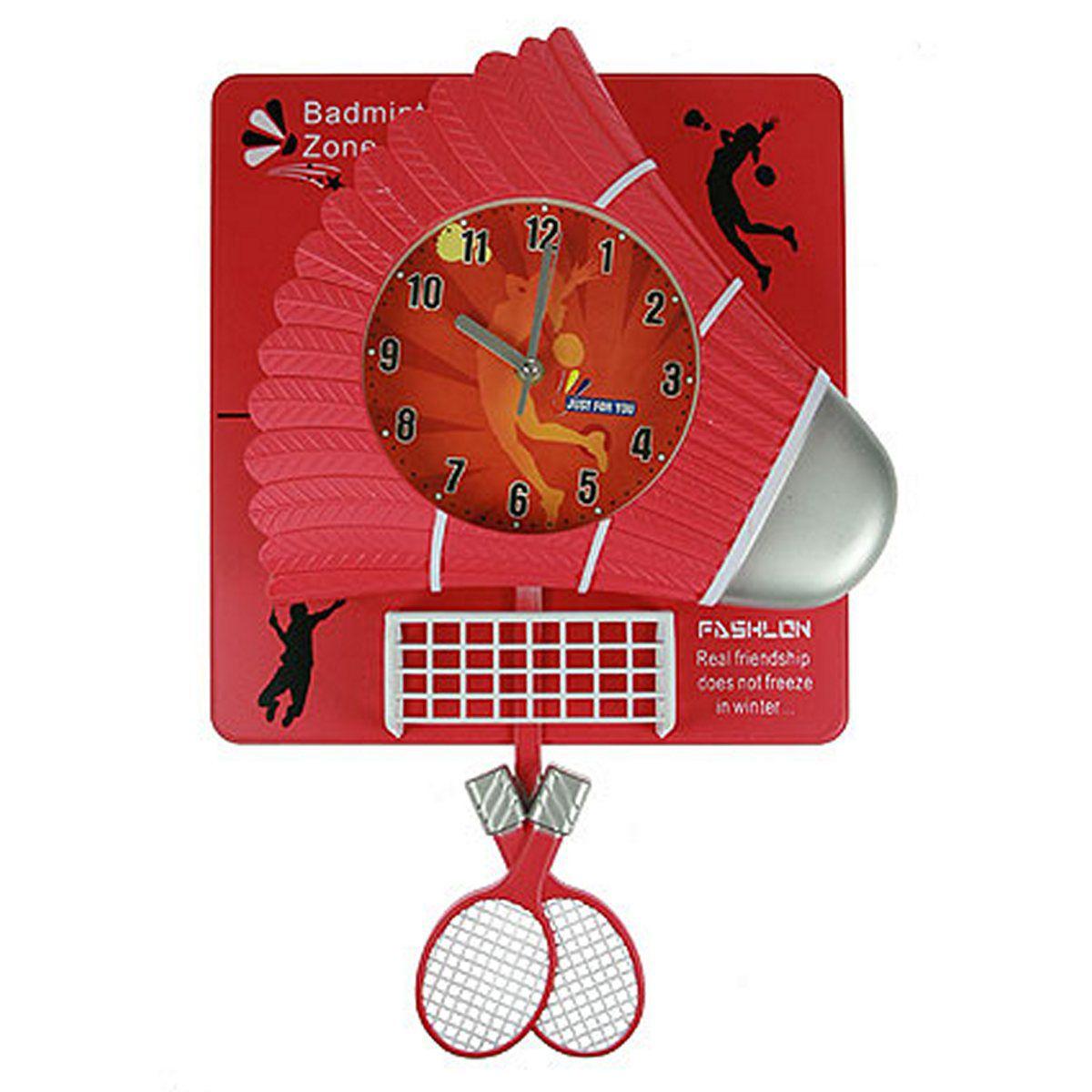 """Настенные кварцевые часы Русские Подарки """"Бадминтон"""" изготовлены из пластика. Корпус оригинально оформлен элементами игры в бадминтон. Часы имеют две стрелки - часовую и минутную. С обратной стороны имеется петелька для подвешивания на стену.      Такие часы красиво и необычно оформят интерьер дома или офиса. Также часы могут стать уникальным, полезным подарком для родственников, коллег, знакомых и близких.   Часы работают от батареек типа АА (в комплект не входят)."""