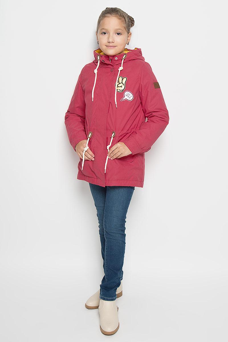 Куртка-парка для девочки Boom!, цвет: малиновый. 64052_BOG_вар.1. Размер 110, 5-6 лет64052_BOG_вар.1Стильная куртка-парка Boom! идеально подойдет для вашей девочки в прохладное время года. Модель изготовлена из 100% полиэстера и оформлена спереди декоративными нашивками. Подкладка, выполненная из полиэстера с добавлением вискозы, приятная на ощупь. Куртка дополнена съемной подкладкой, которая фиксируется с помощью пуговиц. В качестве утеплителя используется синтепон - 100% полиэстер.Куртка с капюшоном застегивается на застежку-молнию и оснащена ветрозащитным клапаном на кнопках и застежках-липучках. Капюшон дополнен затягивающимся шнурком. Изделие дополнено спереди двумя прорезными карманами, оформленными декоративными клапанами с кнопками. На талии куртка затягивается на шнурок-кулиску. Манжеты рукавов дополнены застежками-кнопками. Нижняя часть спинки оформлена декоративным разрезом и фирменной светоотражающей нашивкой, один из рукавов - фирменной нашивкой. Такая стильная куртка-парка станет прекрасным дополнением к гардеробу вашей девочки, она подарит комфорт и тепло.