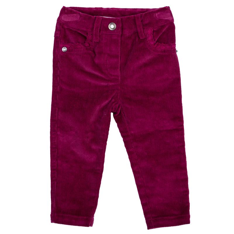 Брюки для девочки PlayToday Baby, цвет: малиновый. 368058. Размер 74368058Стильные брюки для девочки выполнены из вельвета. Модель зауженного кроя застегивается на кнопку, пояс на резинке имеет шлевки для ремня. Изделие дополнено четырьмя функциональными карманами: двумя втачными спереди и двумя накладными сзади. Передние кармашки оформлены нежным гипюром в тон.