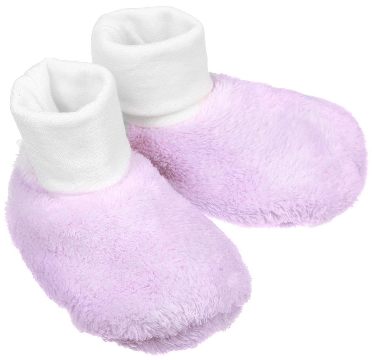 Пинетки детские Reima Levana, цвет: сиреневый. 517118-5000. Размер 0517118-5000Теплые пинетки Reima Levana идеально подойдут для маленьких ножек вашего малыша. Изделие изготовлено из высококачественного полиэстера, отлично удерживает тепло и пропускает воздух, обеспечивая комфорт.Крошечным ножкам очень понравятся эти меховые пинетки! Мягкая хлопчатобумажная подкладка с эластаном очень приятна для тела, а длинная подворачивающаяся резинка удержит пинетки на ножке и гарантирует оптимальную посадку. Эти пинетки очень легко надеваются!Такие пинетки - отличное решение для малышей и их родителей!