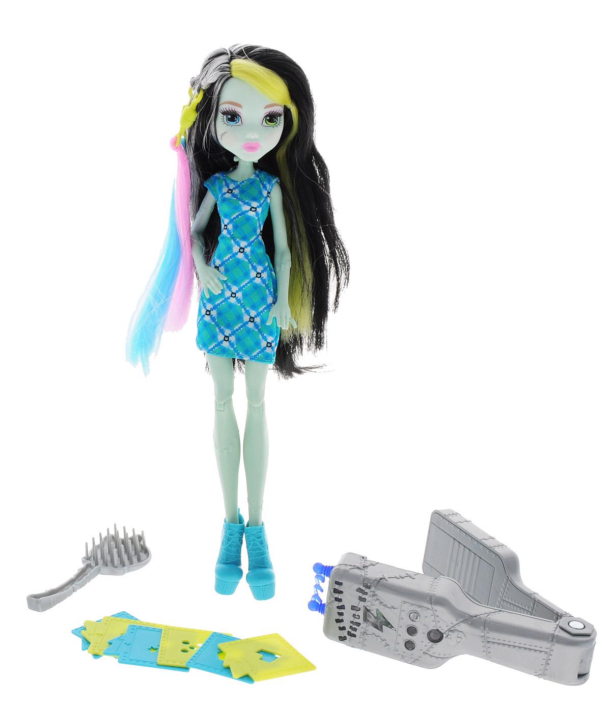 все цены на Monster High Игровой набор с куклой Стильная прическа Фрэнки