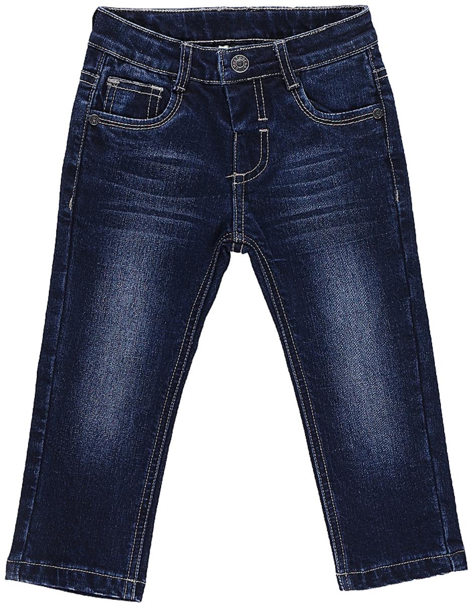 Джинсы для мальчика Sweet Berry, цвет: синий. 206112. Размер 80206112Утепленные джинсы Sweet Berry для мальчика с эффектом потертости выполнены из высококачественного материала. Джинсы прямого кроя и стандартной посадки на талии застегиваются на пуговицу и имеют ширинку на застежке-молнии. На поясе имеются шлевки для ремня. Модель представляет собой классическую пятикарманку: два втачных и один маленький накладной кармашек спереди и два накладных кармана сзади.