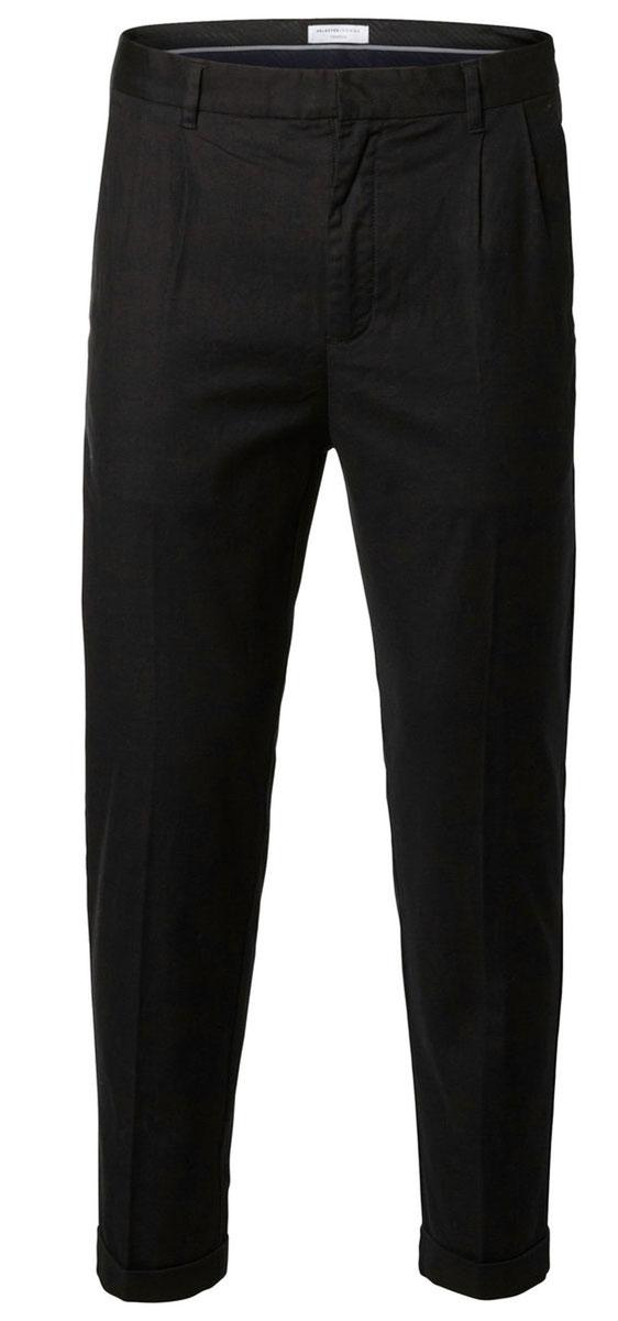 Брюки мужские Selected Homme, цвет: черный. 16052170. Размер 33-34 (48-34)16052170_BlackКлассические мужские брюки Selected Homme прямого кроя и стандартной посадки изготовлены из хлопка с добавлением эластана. Брюки застегиваются на ширинку на застежке-молнии, а также на крючок на поясе. На поясе расположены шлевки для ремня. Модель дополнена двумя открытыми втачными карманами спереди и двумя прорезными карманами сзади.