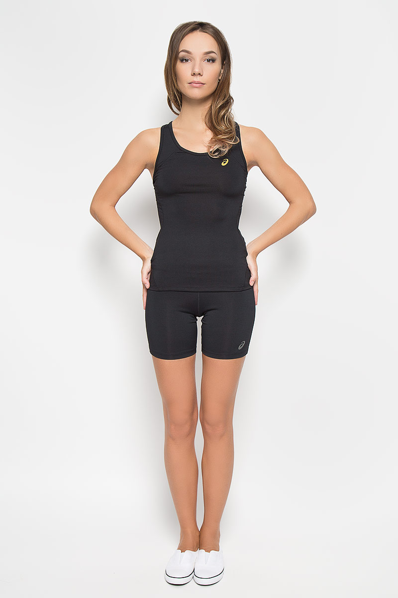 Майка для фитнеса женская Asics Sports, цвет: черный. 134457-0904. Размер M (44/46)134457-0904Стильная женская майка для фитнеса Asics Sports, выполненная из эластичного полиэстера, обладает высокой теплопроводностью, воздухопроницаемостью и отводит влагу от тела, оставляя кожу сухой. Она великолепно подойдет для интенсивных спортивных занятий.Майка на широких бретельках с круглым вырезом горловины превосходно дополнит ваш спортивный гардероб. Модель оформлена логотипом производителя спереди, спинка-борцовка украшена оригинальным вырезом.В такой майке вы всегда будете чувствовать себя уверенно и уютно и непременно достигнете новых спортивных высот.