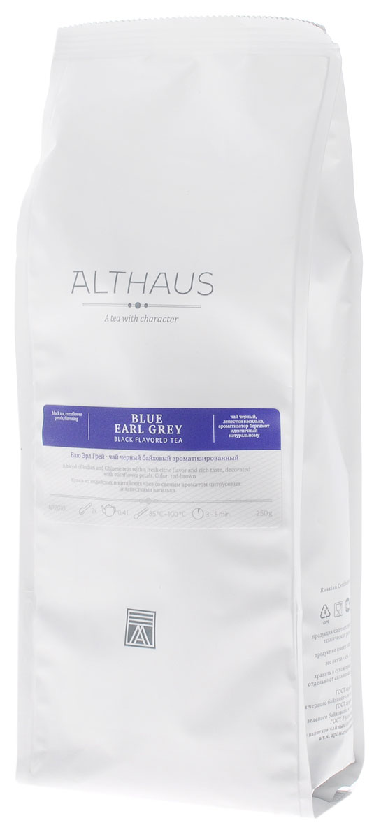 Althaus Blue Earl Grey черный листовой чай, 250 гTALTHL-L00090Althaus Блю Эрл Грей — необычная вариация на тему традиционного купажа Эрл Грей, составленного на основе крепких цейлонских и индийских чаев с добавлением душистого масла бергамота. В этой уникальной композиции классическая строгость черного чая гармонично сочетается со свежим цитрусовым ароматом и смягчается тонкими цветочными нотками утреннего василька. В элегантном купаже Блю Эрл Грей чаинки отличаются красивой уборкой, а их глубокий, темный цвет выразительно оттеняется изящными лепестками небесно-синего василька. Бергамотовое масло — это ароматическое масло, получаемое из цедры особой цитрусовой культуры. Эфирные масла апельсина-бергамота по-новому раскрывают насыщенный вкус чая. В чайном букете появляются пряная сладость и свежесть апельсиновой рощи, пикантная лимонная кислинка и неповторимая яркость послевкусия. Оптимальная температура заваривания Блю Эрл Грей 95°С. Температура воды: 85-100 °СВремя заваривания: 3-5 минЦвет в чашке: красновато-коричневый