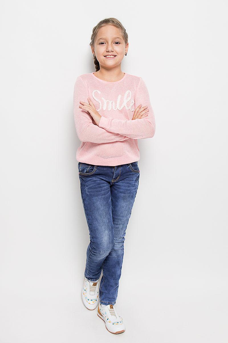 Джинсы для девочки Luminoso, цвет: синий. 205825. Размер 158, 13 лет205825Стильные брюки для девочки Luminoso идеально подойдут вашей маленькой моднице. Изготовленные из эластичного хлопка на флисовой подкладке, они необычайно мягкие и приятные на ощупь, не сковывают движения и позволяют коже дышать, не раздражают даже самую нежную и чувствительную кожу ребенка, обеспечивая ему наибольший комфорт. Брюки на поясе застегивается на оригинальную металлическую пуговицу и имеют ширинку на застежке-молнии и шлевки для ремня. При необходимости пояс можно утянуть скрытой резинкой на пуговках. Брюки спереди дополнены двумя втачными карманами и одним маленьким накладным кармашком, а сзади - двумя накладными карманами. Модель оформлена эффектом потертости и контрастной прострочкой.Современный дизайн и расцветка делают эти брюки модным и стильным предметом детского гардероба. В них ваша дочурка всегда будет в центре внимания!