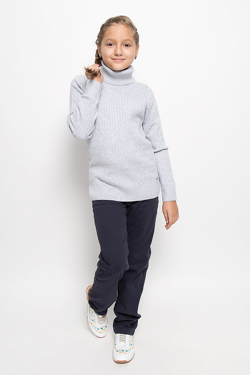 Водолазка для девочки Luminoso, цвет: серый. 205805. Размер 146, 11 лет205805Уютная водолазка для девочки Luminoso, выполненная из хлопка с добавлением акрила, идеально подойдет для гардероба вашей маленькой модницы.Водолазка облегающего кроя с длинными рукавами и воротником-гольф связана косичкой. Воротник, манжеты и низ изделия связаны резинкой.В такой водолазке вашему ребенку будет комфортно и уютно, и он всегда будет в центре внимания!