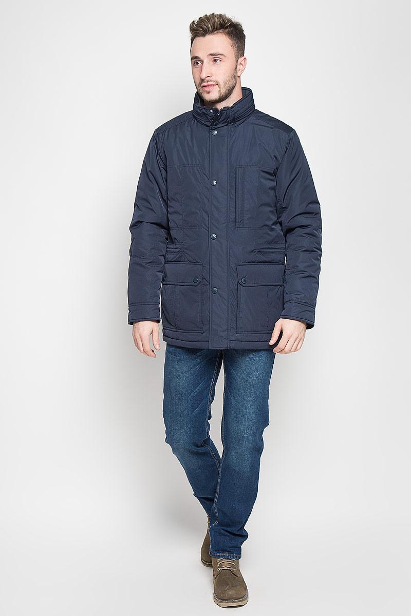 Куртка мужская Sela Casual Wear, цвет: темно-синий. Cp-226/347-6312. Размер M (48)Cp-226/347-6312Стильная мужская куртка Sela Casual Wear превосходно подойдет для прохладных дней. Куртка выполнена из полиэстера, она отлично защищает от дождя, снега и ветра, а наполнитель из синтепона превосходно сохраняет тепло.Модель с длинными рукавами и воротником-стойкой застегивается на застежку-молнию и имеет ветрозащитный клапан на кнопках. Изделие дополнено двумя накладными открытыми карманами и двумя накладными карманами на клапанах с кнопками спереди, а также внутренним втачным карманом на молнии. Объем талии регулируется при помощи внутреннего шнурка-кулиски. Эта модная и в то же время комфортная куртка согреет вас в холодное время года и отлично подойдет как для прогулок, так и для активного отдыха.