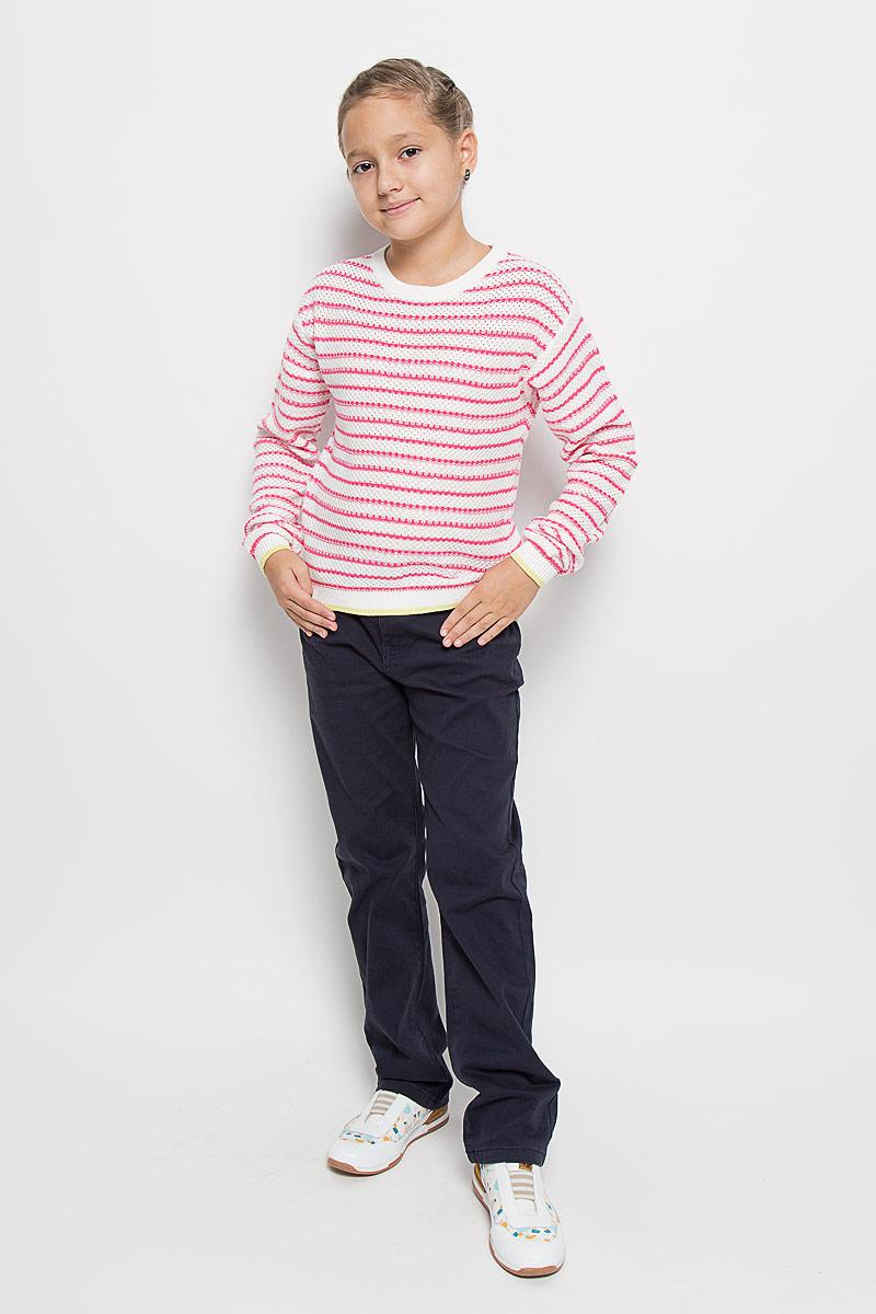 Джемпер для девочки Sela, цвет: белый, розовый. JR-614/098-6182. Размер 116, 6 летJR-614/098-6182Очаровательный вязаный джемпер для девочки Sela идеально подойдет вашей юной моднице. Изготовленный из натуральной хлопковой пряжи, он необычайно мягкий и приятный на ощупь, не сковывает движения ребенка, позволяет коже дышать.Джемпер с длинными рукавами и круглым вырезом горловины оформлен вязаным рисунком в полоску. Манжеты рукавов и низ изделия связаны резинкой с полосой контрастного цвета. Вырез горловины также связан резинкой. Современный дизайн и расцветка делают этот джемпер стильным предметом детского гардероба. В нем вашей принцессе будет уютно и тепло, и она всегда будет в центре внимания!
