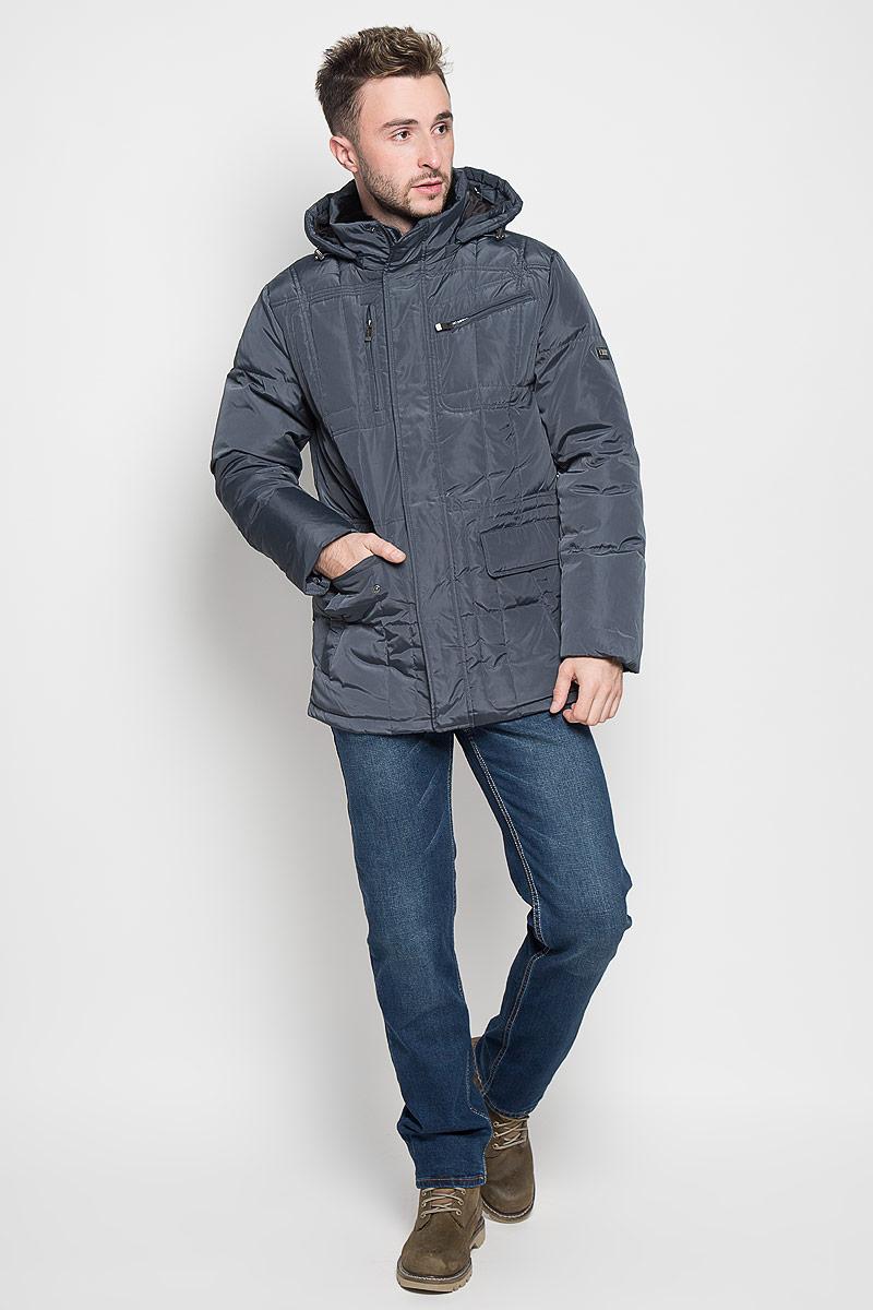 Куртка мужская Sela Casual Wear, цвет: темно-синий. Cd-226/332-6414. Размер L (50)Cd-226/332-6414Стильная мужская куртка Sela Casual Wear превосходно подойдет для прохладных дней. Куртка выполнена из полиэстера, она отлично защищает от дождя, снега и ветра, а наполнитель из пуха и пера превосходно сохраняет тепло. Модель с длинными рукавами и воротником-стойкой застегивается на застежку-молнию и имеет ветрозащитный клапан на кнопках. Куртка дополнена съёмным капюшоном на застежке-молнии, объем которого регулируется при помощи шнурка-кулиски со стопперами. Изделие дополнено двумя втачными карманами на кнопках, двумя втачными карманами на клапанах с кнопками и двумя втачными карманами на молниях спереди, а также внутренним втачным карманом на молнии. Рукава дополнены внутренними трикотажными манжетами. Объем талии регулируется при помощи внутреннего шнурка-кулиски.Эта модная и в то же время комфортная куртка согреет вас в холодное время года и отлично подойдет как для прогулок, так и для активного отдыха.