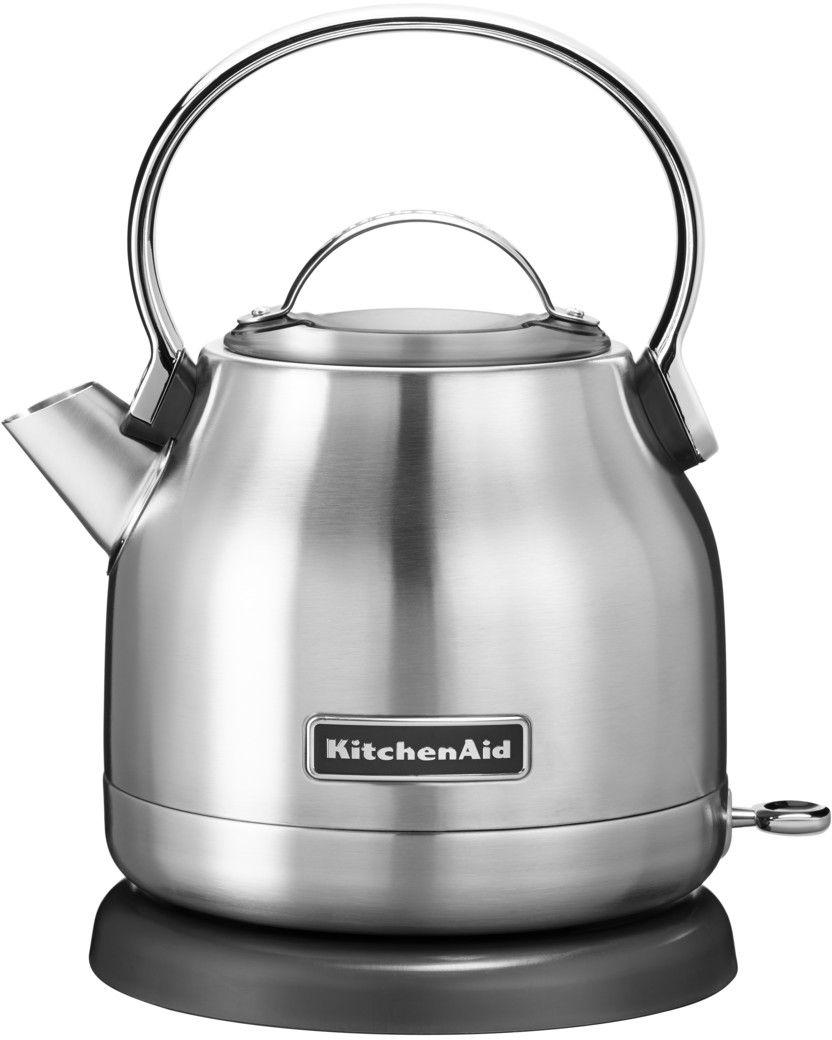 KitchenAid 5KEK1222ESX, Silver чайник электрический5KEK1222ESXЭлектрический чайник KitchenAid 5KEK1222ESX объемом 1,25 л. - это стильная вещь, необходимая для идеальной чайной церемонии. Новый чайник удачно сочетает в себе ностальгическое очарование наплитных чайников, яркие фирменные расцветки и дает возможность насладиться всеми преимуществами электрического нагрева. - Быстро кипятит воду благодаря эффективному нагревательному элементу - Автоматически отключается и имеет защиту от включения без воды - На внутренней стенке чайника нанесена мерная шкала. - Широкое отверстие для наполнения водой. - Носик, предотвращающий стекание капель и брызги. - Съемный фильтр от накипи, для идеально чистой воды. - Удобная алюминиевая ручка с гладкой поверхностью и алюминиевая крышечка. - Оригинальная кнопка включения/выключения с диодной подсветкой делает управление чайником невероятно простым и комфортным. - Прочный корпус из нержавеющей стали порыт стекловидной эмалью, стойкой к сколам и царапинам. - Поворотная база на 360о с нишей для хранения шнура - Стильный, компактный дизайн идеален даже для небольшой кухни.