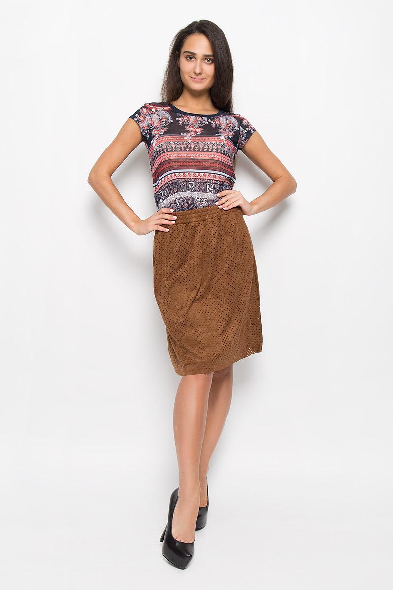 Юбка женская Sela, цвет: шоколадный. SKk-118/043-6373. Размер M (46)SKk-118/043-6373Стильная юбка Sela поможет создать оригинальный женственный образ. Изготовленная из полиэстера с добавлением эластана, она не сковывает движения и обеспечивает удобство при носке.Модель-миди имеет стильный пояс на резинке. Верх юбки выполнен из замшевой ткани, которая оформлена мелким прорезным узором. Дополнено изделие двумя боковыми карманами. Модная юбка займет достойное место в вашем гардеробе и будет дарить вам комфорт в течение всего дня.