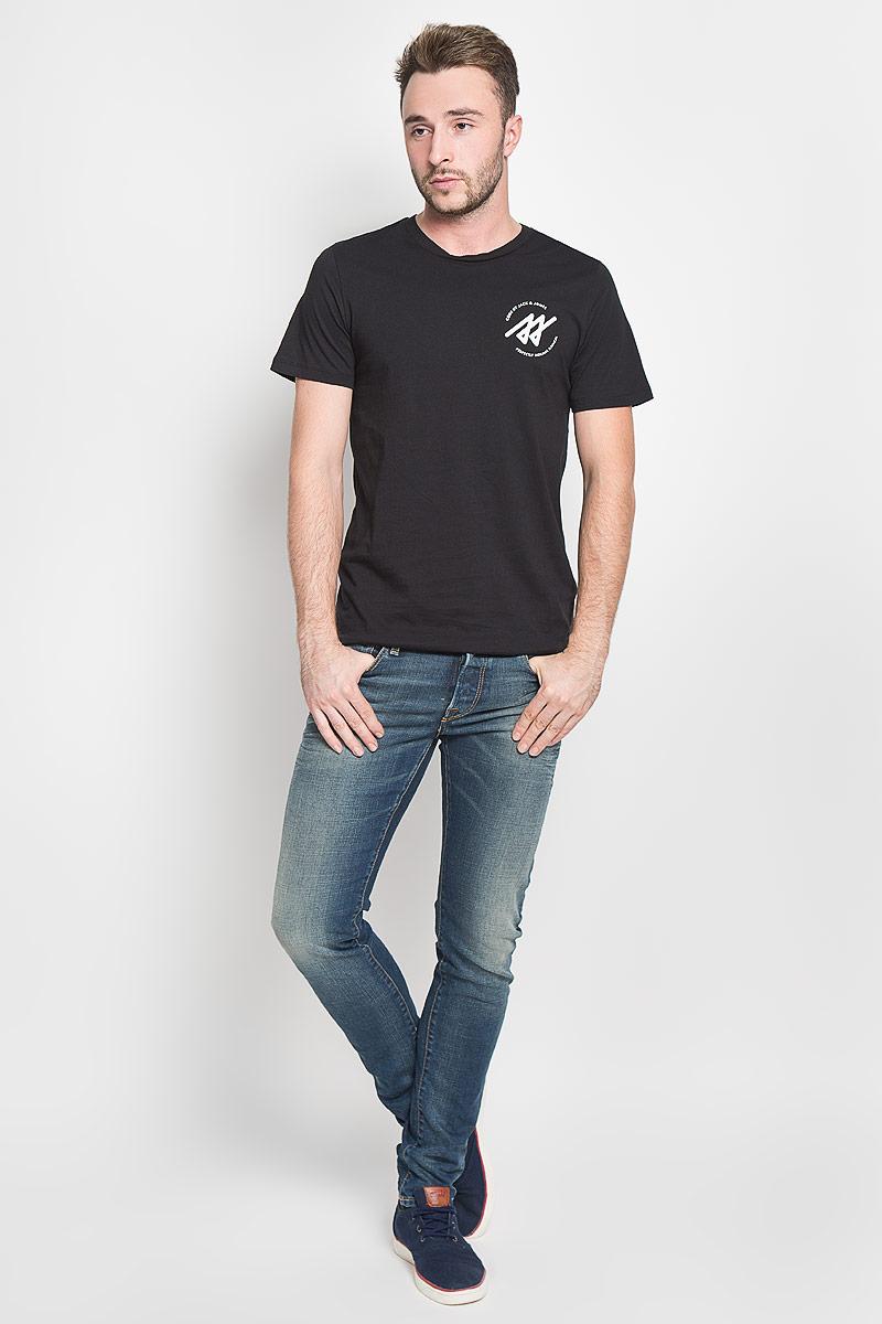 Футболка мужская Jack & Jones, цвет: черный. 12108908. Размер L (48)12108908_BlackСтильная мужская футболка Jack & Jones, выполненная из натурального хлопка, обладает высокой теплопроводностью, воздухопроницаемостью и гигроскопичностью. Она необычайно мягкая и приятная на ощупь, не сковывает движения и превосходно пропускает воздух. Такая футболка превосходно подойдет как для занятий спортом, так и для повседневной носки.Модель с короткими рукавами и круглым вырезом горловины - идеальный вариант для создания модного современного образа. Футболка оформлена контрастными принтом с логотипом производителя. Эта модель подарит вам комфорт в течение всего дня и послужит замечательным дополнением к вашему гардеробу.