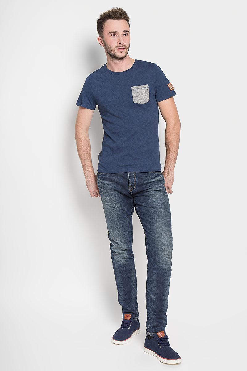 Джинсы мужские Selected Homme, цвет: синий. 16052933. Размер 34-34 (48/50-34)16052933_Medium Blue DenimМодные мужские джинсы Selected Homme - это джинсы высочайшего качества, которые прекрасно сидят. Они выполнены из высококачественного эластичного хлопка, что обеспечивает комфорт и удобство при носке. Джинсы стандартной посадки станут отличным дополнением к вашему современному образу. Джинсы застегиваются на пуговицу в поясе и ширинку на пуговицах, дополнены шлевками для ремня. Джинсы имеют классический пятикарманный крой: спереди модель дополнена двумя втачными карманами и одним маленьким накладным кармашком, а сзади - двумя накладными карманами. Модель оформлена перманентными складками и эффектом потертости.Эти модные и в то же время комфортные джинсы послужат отличным дополнением к вашему гардеробу.