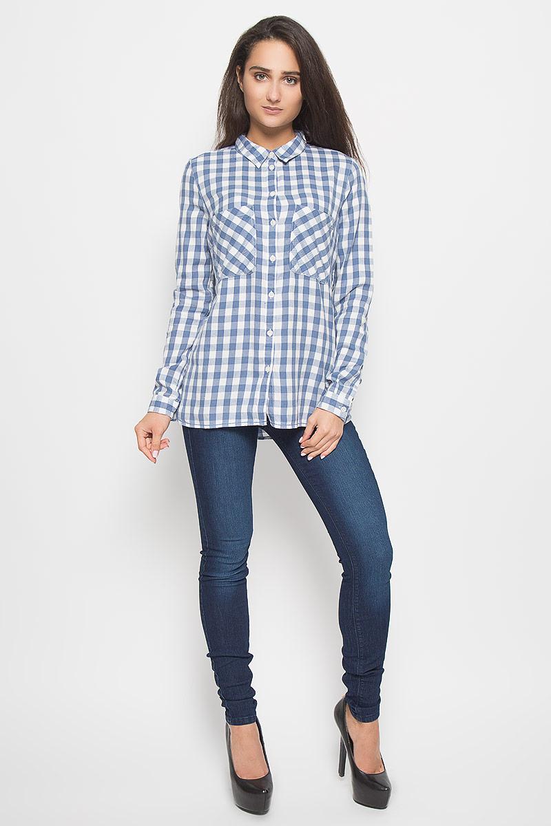 Рубашка женская Tom Tailor Denim, цвет: голубой, белый. 2032160.09.71_6731. Размер S (44)2032160.09.71_6731Стильная женская рубашка Tom Tailor Denim, выполненная из натурального хлопка, подчеркнет ваш уникальный стиль и поможет создать оригинальный образ. Такой материал великолепно пропускает воздух, обеспечивая необходимую вентиляцию, а также обладает высокой гигроскопичностью. Рубашка с длинными рукавами и отложным воротником застегивается на пуговицы спереди. Манжеты рукавов также застегиваются на пуговицы. Модель дополнена двумя нагрудными карманами. Рубашка оформлена принтом в клетку. Классическая рубашка - превосходный вариант для базового гардероба и отличное решение на каждый день.Такая рубашка будет дарить вам комфорт в течение всего дня и послужит замечательным дополнением к вашему гардеробу.