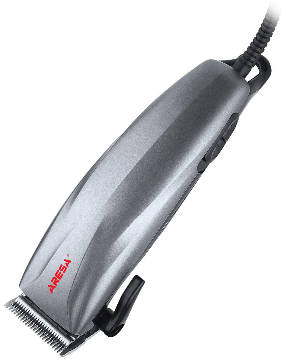 Aresa AR-1804 машинка для стрижки волосAR-1804Машинка для стрижки волос Aresa AR-1804 оснащена бритвенной головкой из нержавеющей стали. Плавная регулировка длины стрижки осуществляется при помощи четырех насадок 3, 6, 9, 12 мм, идущих в комплекте с устройством. Современный и эргономичный дизайн.Красивую и модную прическу теперь можно сделать не только в парикмахерской, но и дома.