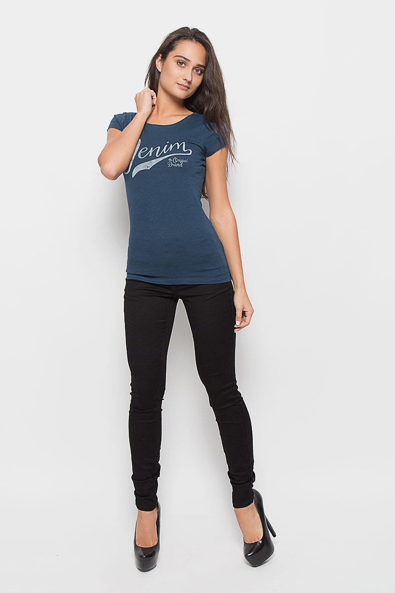 Футболка женская Tom Tailor Denim, цвет: темно-бирюзовый. 1035261.00.71_6160. Размер S (44)1035261.00.71_6160Стильная женская футболка Tom Tailor Denim, выполненная из 100% хлопка, поможет создать отличный современный образ в стиле Casual. Модель с круглым вырезом горловины и короткими рукавами оформлена спереди брендовой надписью.Такая футболка станет стильным дополнением к вашему гардеробу, она подарит вам комфорт в течение всего дня!