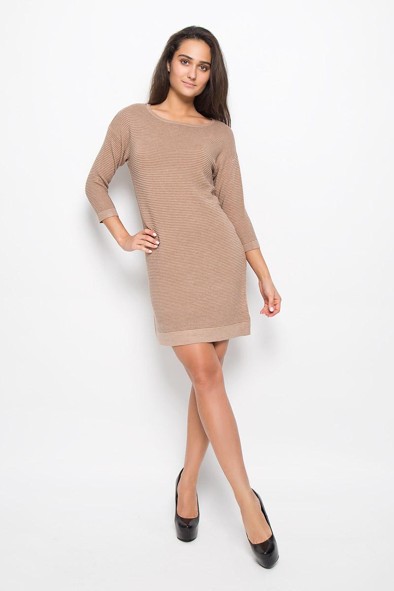 Платье Sela Casual, цвет: темно-бежевый. DSw-117/1092-6333. Размер L (48)DSw-117/1092-6333Оригинальное платье-мини Sela Casual поможет создать привлекательный женственный образ. Изделие выполнено из вискозы с добавлением хлопка и нейлона, очень мягкое, приятное к телу, не сковывает движения и хорошо вентилируется.Модель с круглым вырезом горловины и рукавами длинной 3/4. Горловина, низ рукавов и низ изделия оформлены обычной вязкой. Это эффектное платье займет достойное место в вашем гардеробе!