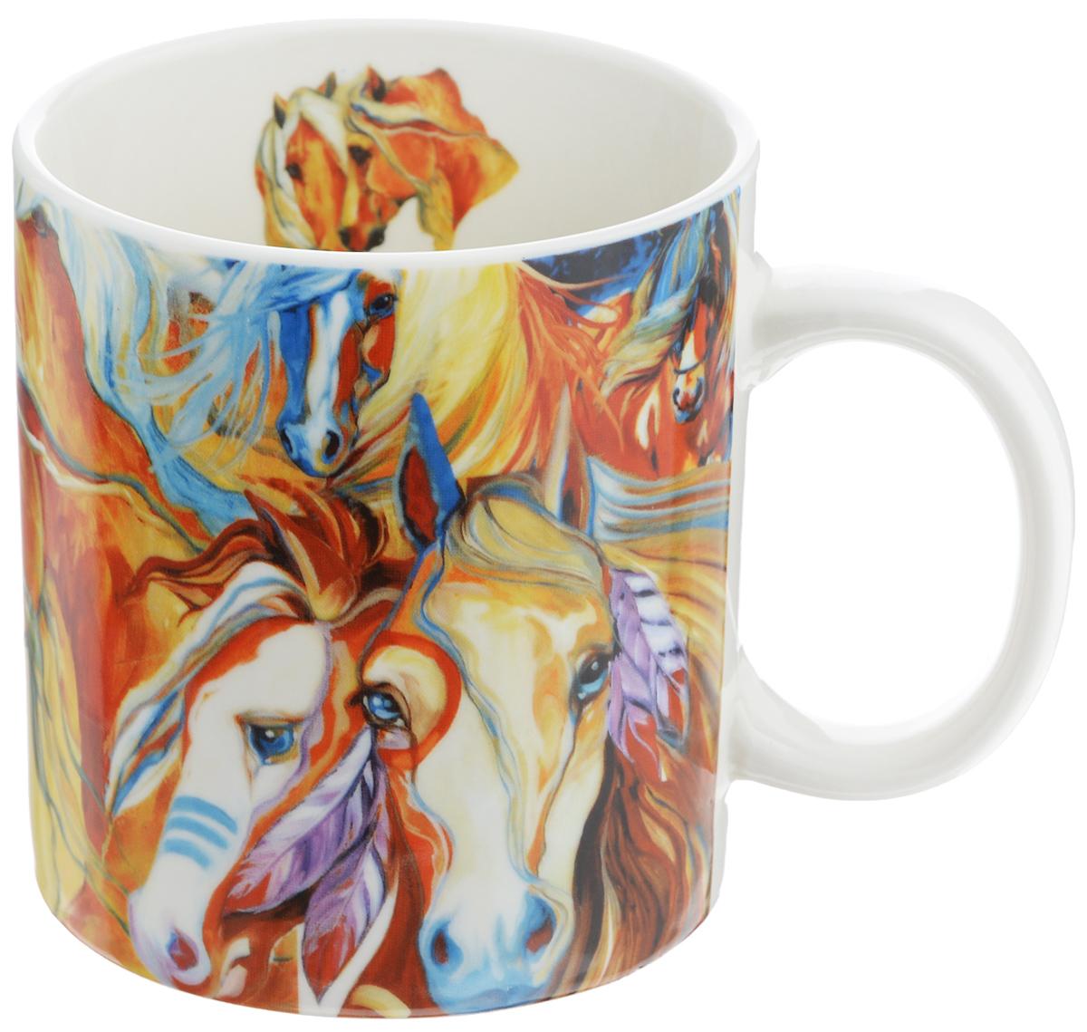 """Кружка GiftLand """"Фантазии о лошадях"""" изготовлена из костяного фарфора и оформлена красочным изображением лошадей.  Оригинальная кружка порадует вас ярким дизайном и станет неизменным атрибутом чаепития. Прекрасно подойдет в качестве сувенира. Диаметр кружки: 10 см. Высота: 11 см. Объем: 700 мл."""