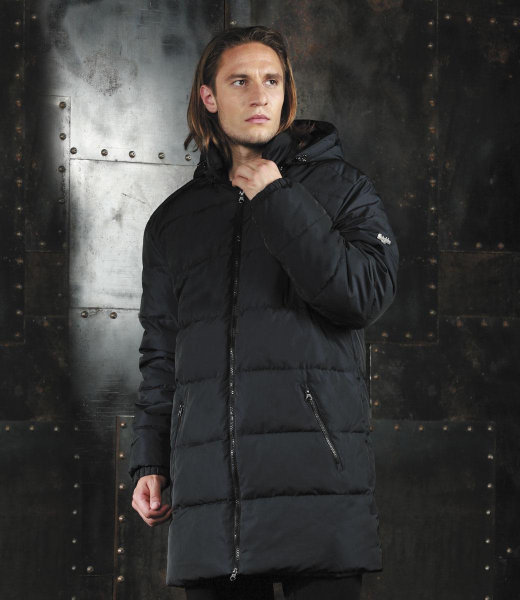 Куртка мужская Grishko, цвет: черный. AL-2976. Размер 54AL-2976Мужская удлинённая куртка Grishko, выполненная из полиамида, придаст образу безупречный стиль. Подкладка изготовлена из гладкого и приятного на ощупь материала. В качестве утеплителя используется полиэфирное волокно, который отлично сохраняет тепло.Куртка прямого кроя с капюшоном и воротником-стойкой застегивается на застежку-молнию с двумя бегунками. С внутренней стороны расположена ветрозащитная планка. Край капюшона дополнен шнурком-кулиской. Низ рукавов собран на резинку. Спереди расположено два прорезных кармана на застежке-молнии, с внутренней стороны - прорезной карман на молнии. Изделие оформлено фирменным логотипом.Такая практичная и теплая куртка послужит отличным дополнением к вашему гардеробу!