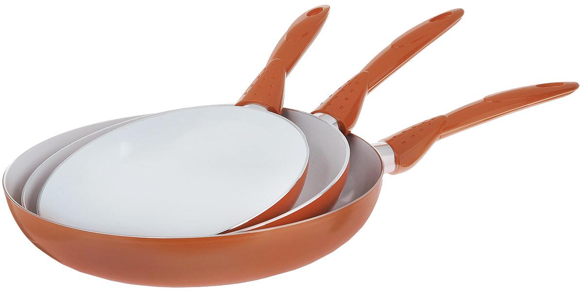 Набор сковородок Travola, с керамическим покрытием, 3 предметаLJ-TC003AНабор Travola состоит из 3 сковородок разного диаметра, изготовленных из высококачественного алюминия с внутренним керамическим покрытием. С таким покрытием пища не пригорает и посуда легко моется. Благодаря прочному дну происходит идеальное и равномерное распределение тепла. Сковороды имеют удобные ручки, изготовленные из высококачественного пластика.Подходят для газовых, электрических и стеклокерамических плит. Не пригодны для индукционных плит. Можно мыть в посудомоечной машине. Диаметр большой сковороды (по верхнему краю): 28 см.Высота стенки большой сковороды: 5,5 см.Длина ручки большой сковороды: 19 см.Диаметр средней сковороды (по верхнему краю): 24 см.Высота стенки средней сковороды: 4,5 см.Длина ручки средней сковороды: 18,5 см.Диаметр малой сковороды (по верхнему краю): 20 см.Высота стенки малой сковороды: 4 см.Длина ручки малой сковороды: 15,5 см.* Победитель номинации «Лучшая собственная торговая марка в сегменте ONLINE»Премия PRIVATE LABEL AWARDS (by IPLS) —международная премия в области собственных торговых марок, созданная компанией Reed Exhibitions в рамках выставки «Собственная Торговая Марка» (IPLS) 2016 с целью поощрения розничных сетей, а также производителей продовольственных и непродовольственных товаров за их вклад в развитие качественных товаров private label, которые способствуют росту уровня покупательского доверия в России и СНГ.