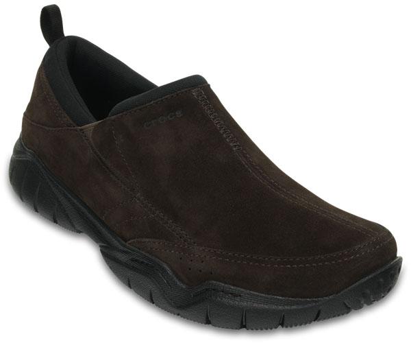 Полуботинки мужские Crocs Swiftwater Leather, цвет: темно-коричневый. 203568-23K. Размер 8 (41)203568-23KВы предпочитаете прогулки и активный образ жизни? Модель Swiftwater Leather от Crocs создана специально для вас. Мужские полуботинки выполнены из натуральной замши. На подъеме они дополнены эластичными вставками для удобства надевания. Протекторированная подошва из материала Croslite обеспечивает улучшенное сцепление с дорогой.