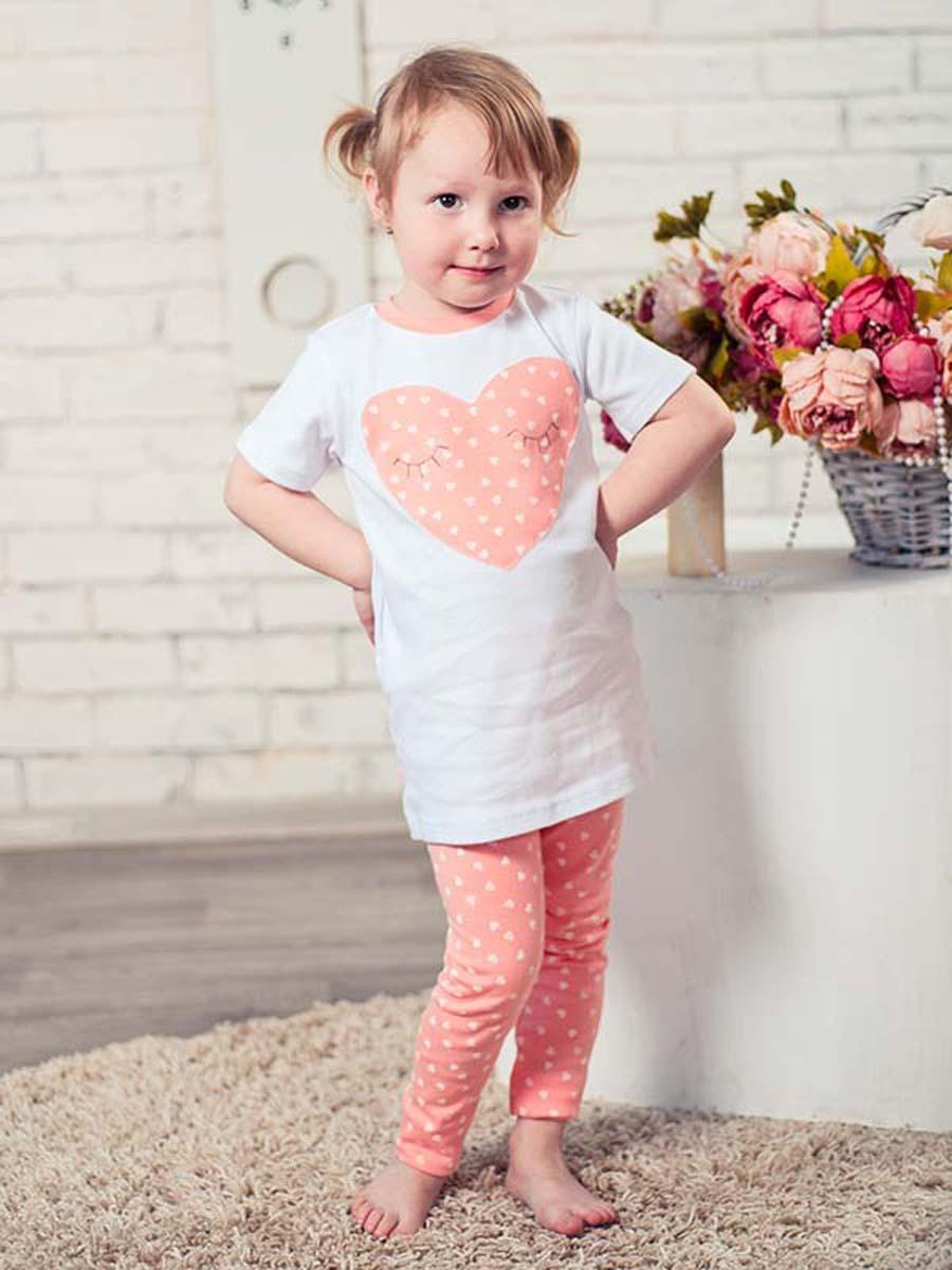 Пижама для девочки КотМарКот Сердечко, цвет: розовый, белый. 16752. Размер 110, 5 лет16752Пижама для девочки КотМарКот Сердечко, состоящая из футболки с коротким рукавом и леггинсов, выполнена из натурального хлопка. Футболка с круглым вырезом горловины спереди оформлена оригинальным принтом в виде сердечка. Леггинсы на талии имеют мягкую резинку, благодаря чему они не сдавливают животик ребенка и не сползают.