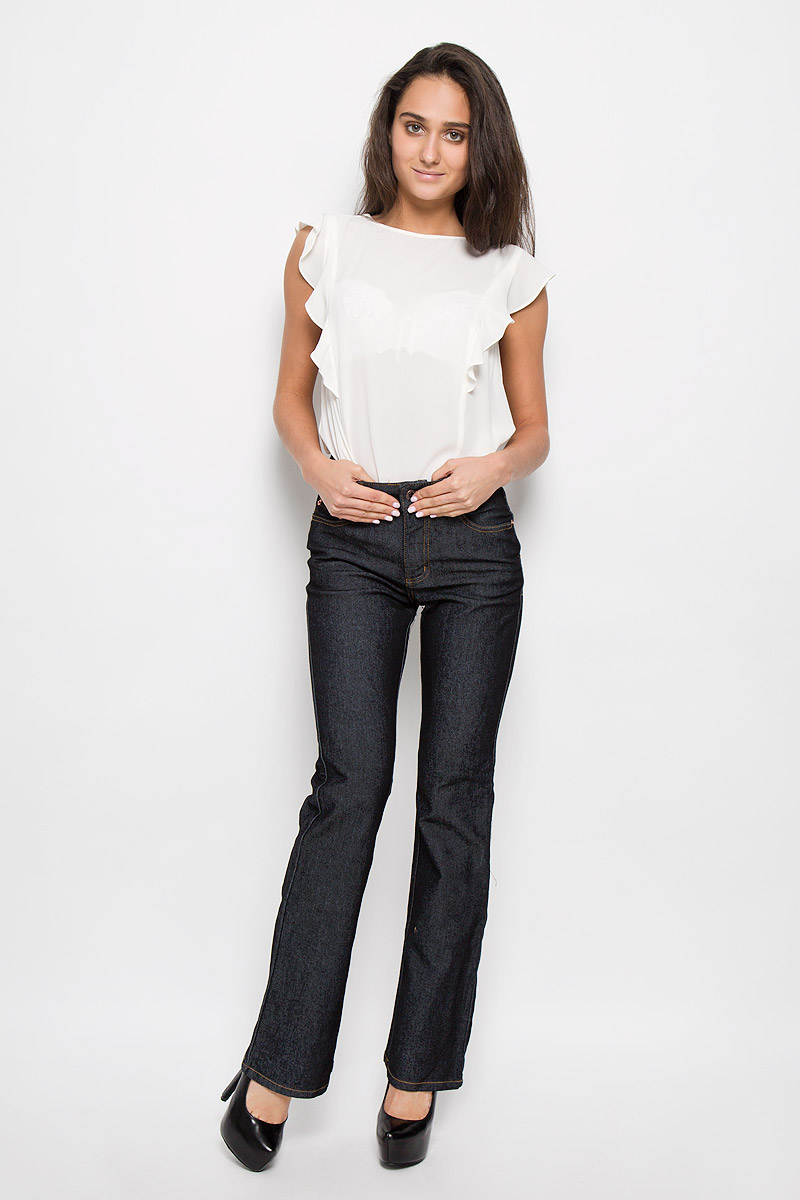 Джинсы женские Montana Bell, цвет: темно-серый. 10645 RW. Размер 29-33,5 (46/48-33,5)10645 RWСтильные женские джинсы Montana Bell - отличная модель на каждый день, которая прекрасно вам подойдет. Изделие изготовлено из хлопка с добавлением полиэстера и спандекса. Джинсы-клеш высокой посадки на талии застегиваются на металлическую пуговицу, также имеются ширинка на застежке-молнии и шлевки для ремня. Спереди модель дополнена двумя втачными карманами со и одним маленьким накладным кармашком, а сзади - двумя накладными карманами. Модель оформлена модной контрастной прострочкой. Эти эффектные и в то же время комфортные джинсы послужат превосходным дополнением к вашему гардеробу.