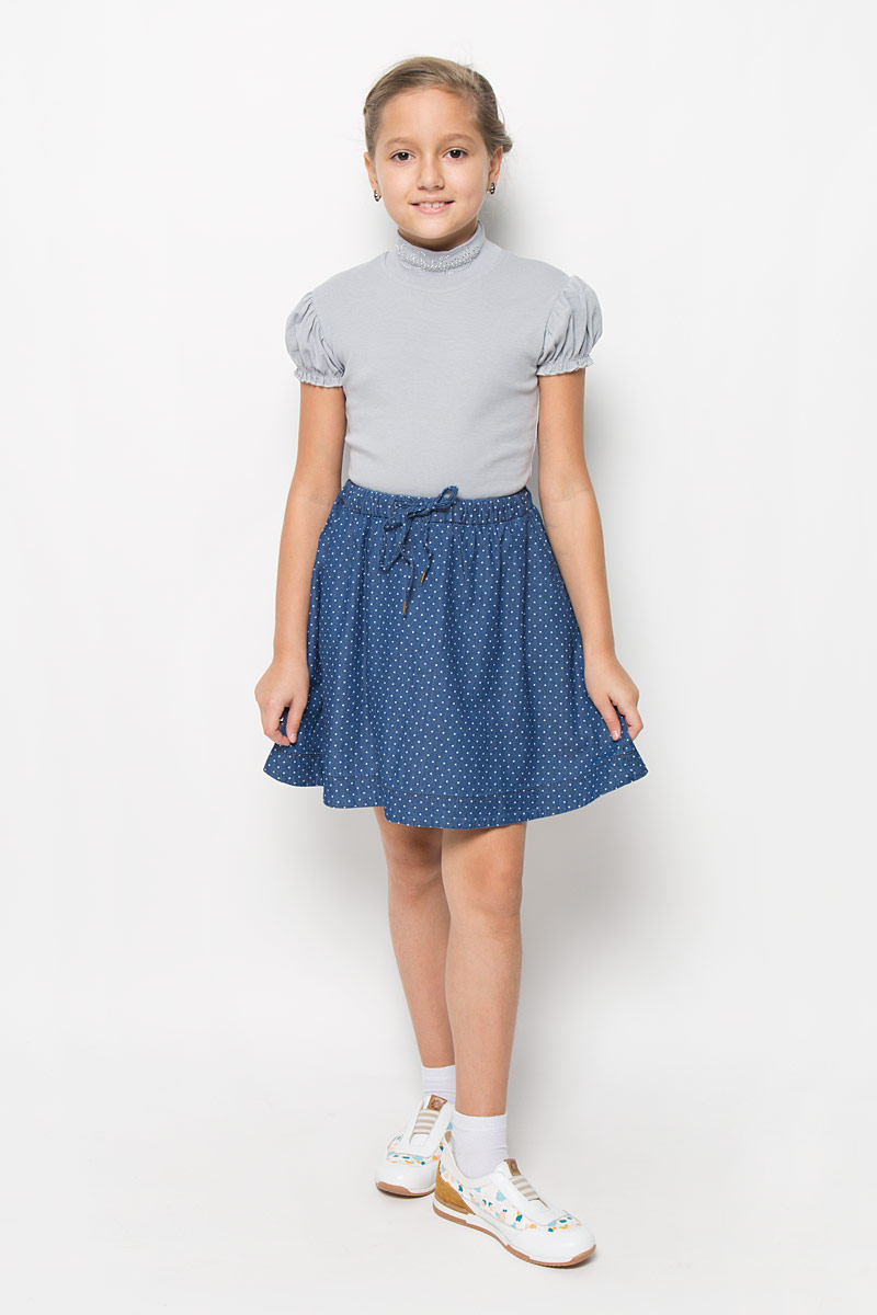 Юбка для девочки Sela Denim, цвет: темно-синий джинс, белый. SKJ-638/064-6161. Размер 122, 7 летSKJ-638/064-6161Юбка для девочки Sela Denim подойдет вашей маленькой моднице и станет отличным дополнением к ее гардеробу. Изготовленная из натурального хлопка, она мягкая и приятная на ощупь, не сковывает движения и позволяет коже дышать.Модель на поясе имеет широкую трикотажную резинку, регулируемую скрытым шнурком, благодаря чему юбка не сползает и не сдавливает животик ребенка. От линии талии заложены складочки, придающие изделию пышность. Спереди расположены два втачных кармана. Модель оформлена принтом в мелкий горошек по всей поверхности. В такой юбочке ваша маленькая принцесса будет чувствовать себя комфортно, уютно и всегда будет в центре внимания!