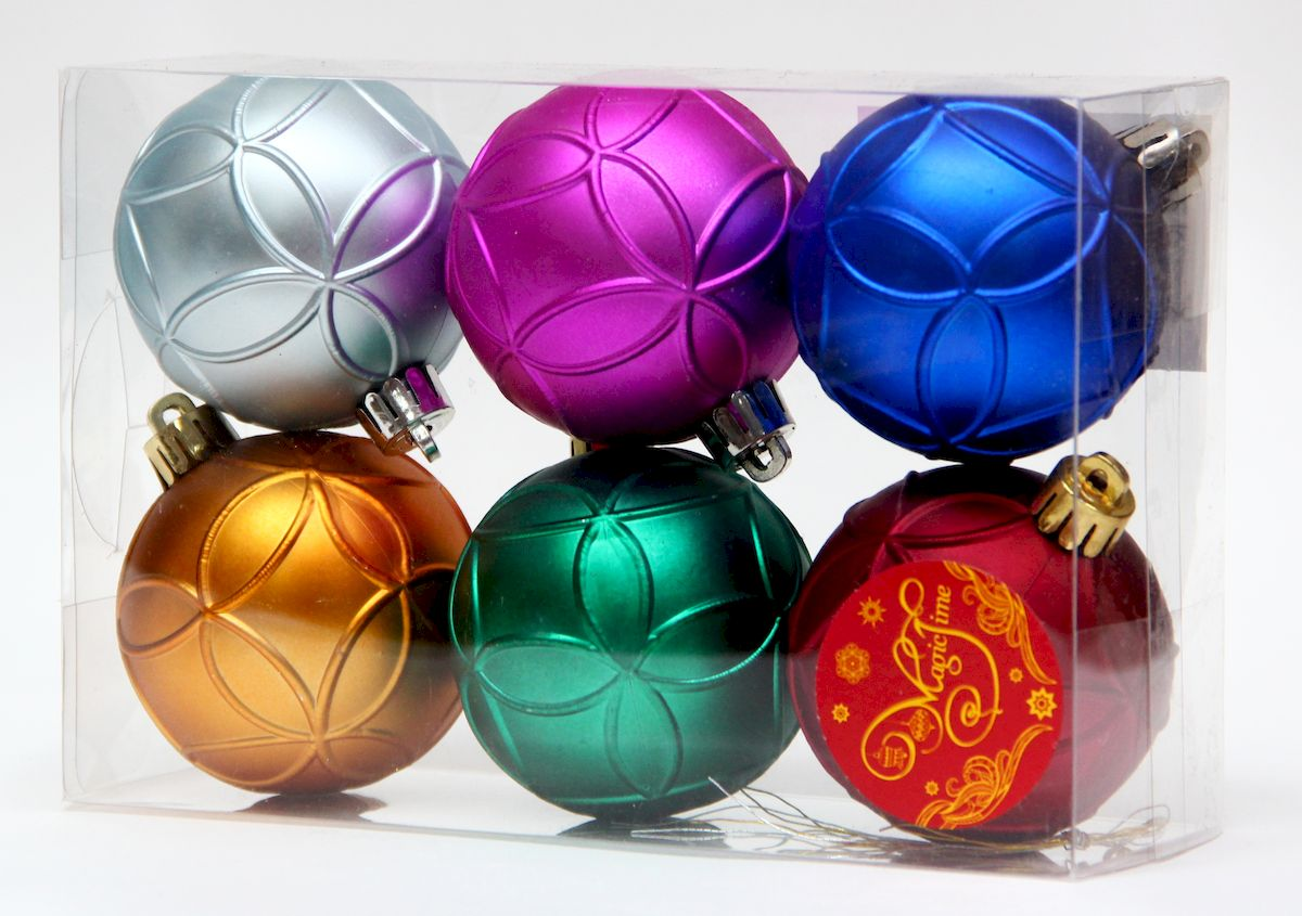 """Новогоднее подвесное украшение Magic Time """"Ассорти шаров разноцветное счастье"""" прекрасно подойдет  для праздничного декора новогодней ели. Изделия выполнены из высококачественного пластика. Для удобного  размещения на елке на украшениях предусмотрены ушки и веревочки.   Елочная игрушка - символ Нового года. Она несет в себе волшебство и красоту праздника.  Создайте в своем доме атмосферу веселья и радости, украшая новогоднюю елку нарядными  игрушками, которые будут из года в год накапливать теплоту воспоминаний.  Откройте для себя удивительный мир сказок и грез. Почувствуйте волшебные минуты  ожидания праздника, создайте новогоднее настроение вашим дорогим и близким."""