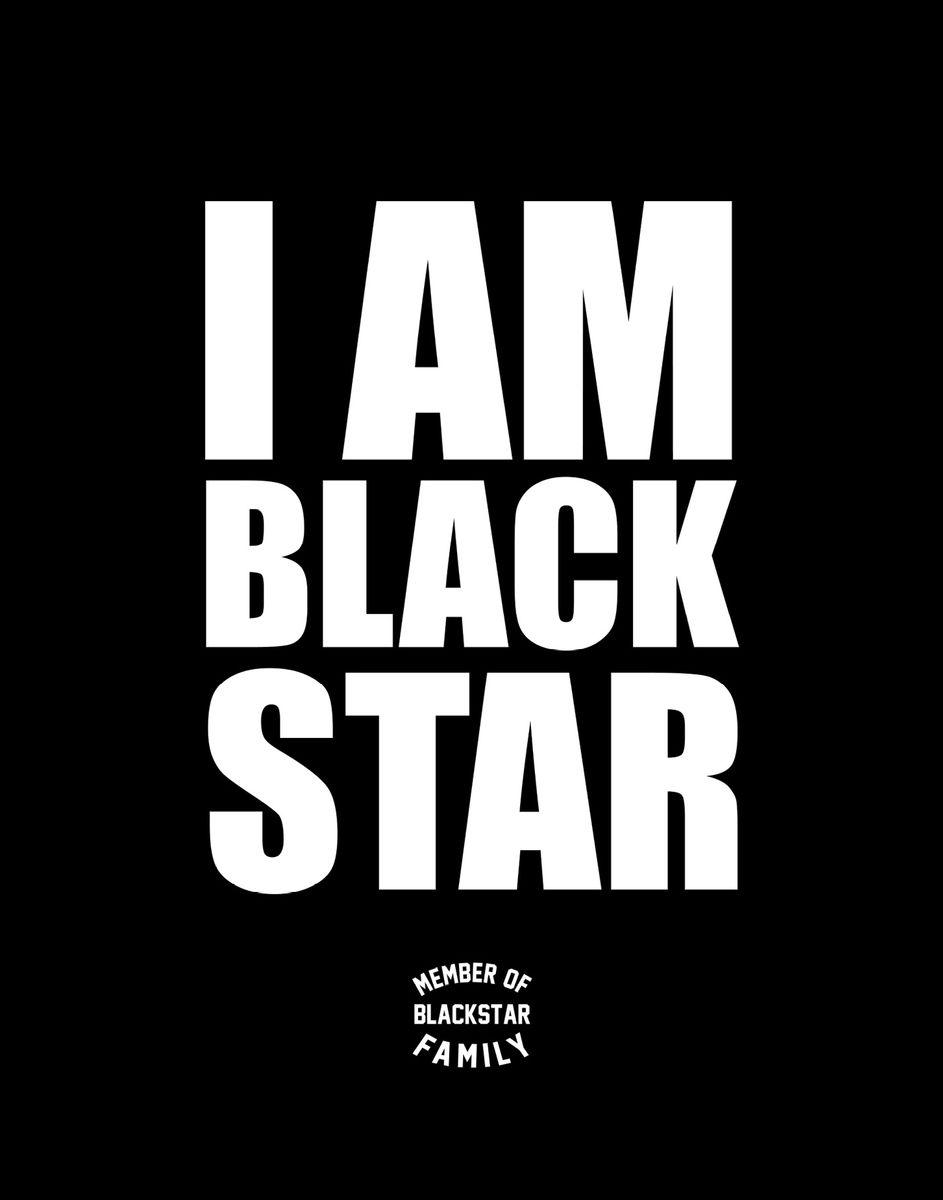 Black Star Тетрадь I Am Black Star Member of Black Star Family 48 листов в клетку978-5-699-91272-8Тетрадь Black Star I Am Black Star. Member of Black Star Family - одна из 4-х черных тетрадок официальной коллекции с эксклюзивным дизайном. Уверенный, четкий дизайн для тех, кто уже определился, в чьей он команде.Обложка, выполненная из картона, позволит сохранить тетрадь в аккуратном состоянии на протяжении всего времени использования. Внутренний блок тетради, соединенный двумя металлическими скрепками, состоит из 48 листов белой бумаги. Стандартная линовка в клетку дополнена полями.