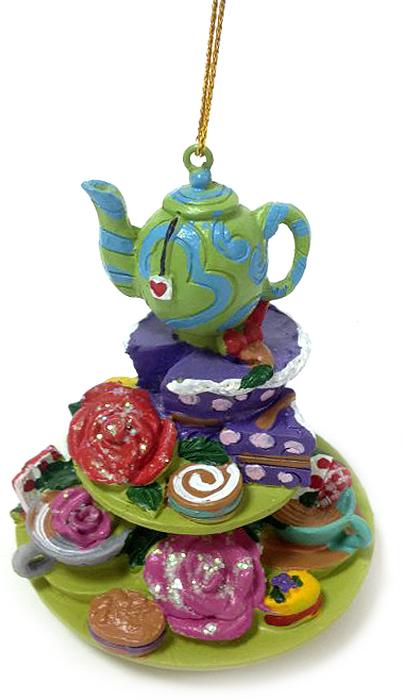 Украшение новогоднее подвесное Magic Time Праздничный стол, 7,3 х 7,3 х 7,8 см38260Новогоднее подвесное украшение Magic Time Праздничный столвыполнено из полирезины в виде подноса с десертами. С помощьюспециальной петельки украшение можно повесить в любом понравившемся вамместе. Но, конечно, удачнее всего оно будет смотреться на праздничной елке.Елочная игрушка - символ Нового года. Она несет в себе волшебство и красотупраздника. Создайте в своем доме атмосферу веселья и радости, украшаяновогоднюю елку нарядными игрушками, которые будут из года в год накапливатьтеплоту воспоминаний.