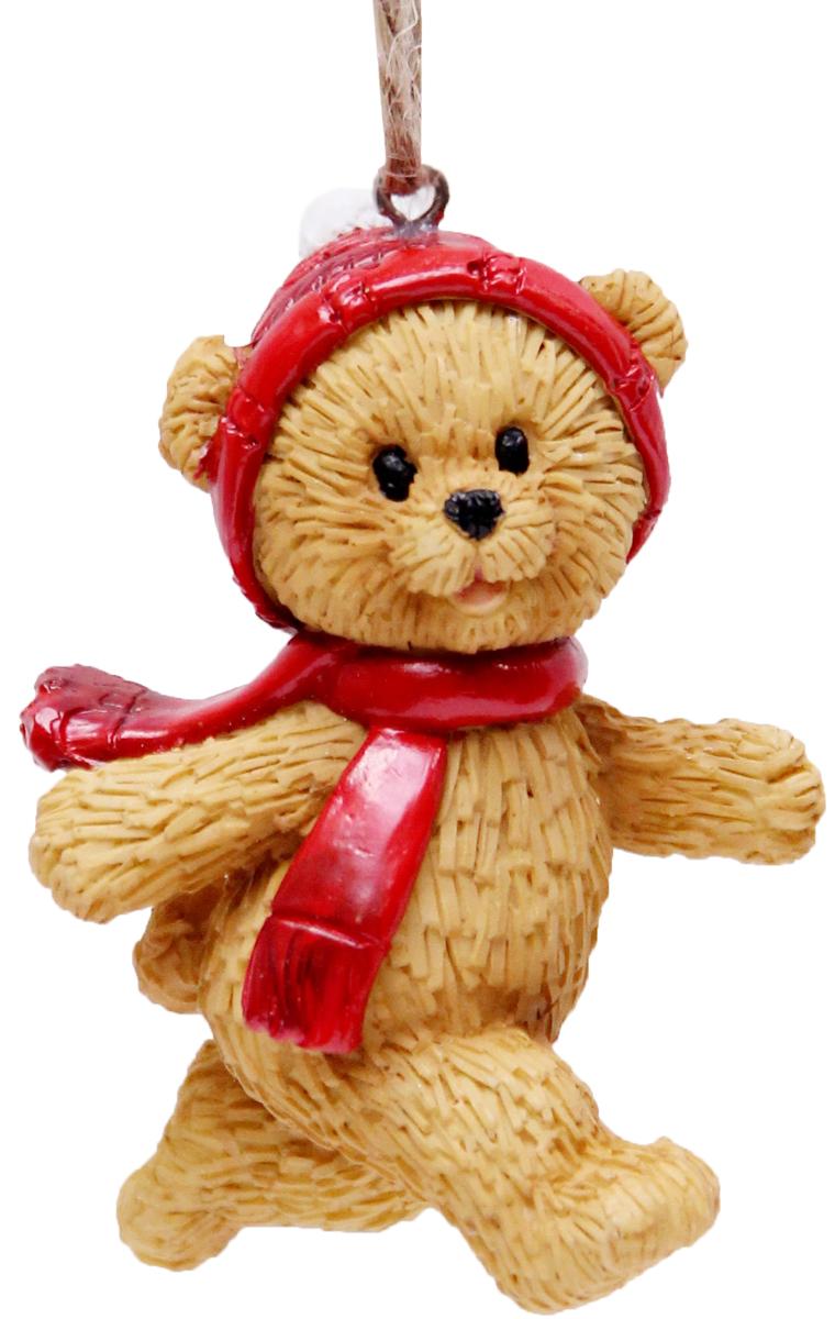 Украшение новогоднее подвесное Феникс-Презент Мишка, высота 6,5 см41964Новогоднее подвесное украшение Феникс-Презент Мишка выполнено из полирезина в виде медвежонка. С помощью специальной петельки украшение можно повесить в любом понравившемся вам месте. Но, конечно, удачнее всего оно будет смотреться на праздничной елке.Елочная игрушка - символ Нового года. Она несет в себе волшебство и красоту праздника. Создайте в своем доме атмосферу веселья и радости, украшая новогоднюю елку нарядными игрушками, которые будут из года в год накапливать теплоту воспоминаний.