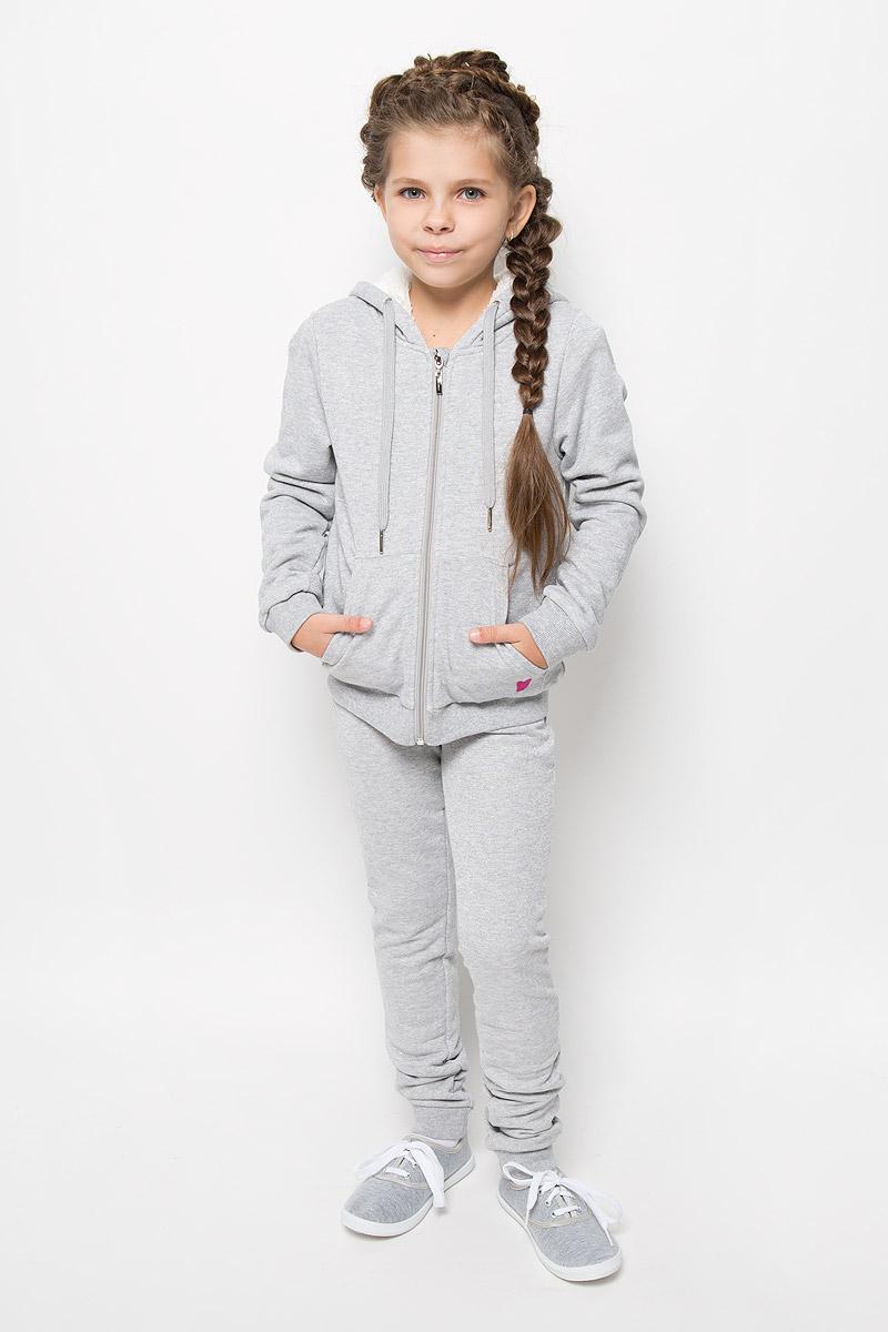 Толстовка для девочки Sela, цвет: светло-серый меланж. Stc-613/072E-6352. Размер 152, 12 летStc-613/072E-6352Теплая толстовка для девочки Sela идеально подойдет вашему ребенку и станет отличным дополнением к детскому гардеробу. Изготовленная из высококачественного материала, она необычайно мягкая и приятная на ощупь, не сковывает движения и позволяет коже дышать, не раздражает даже самую нежную и чувствительную кожу ребенка, обеспечивая ему наибольший комфорт. Лицевая сторона гладкая, а изнаночная - с мягким теплым начесом. Толстовка с капюшоном и длинными рукавами застегивается по всей длине на застежку-молнию. Рукава дополнены широкими трикотажными манжетами. Понизу проходит широкая эластичная резинка, препятствующая проникновению холодного воздуха. Спереди предусмотрены два накладных кармана. Капюшон оформлен декоративными ушками и дополнен затягивающимся шнурком. Современный дизайн и расцветка делают эту толстовку модным и стильным предметом детского гардероба!