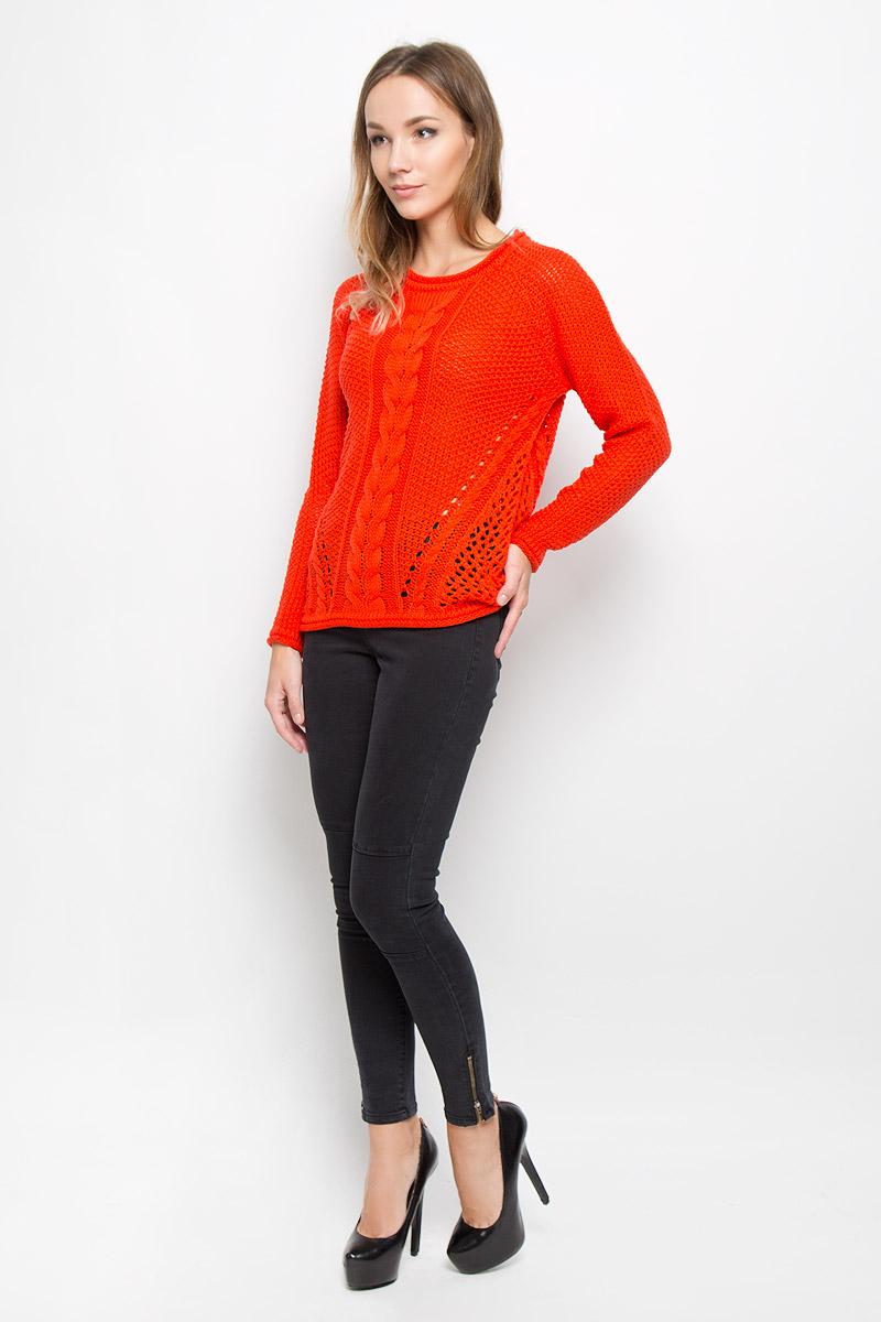 Джемпер женский Vero Moda Denim, цвет: красно-оранжевый. 10159567. Размер M (44)10159567_GrenadineУютный вязаный джемпер Vero Moda Denim идеально дополнит образ в прохладную погоду. Изготовленный из акриловой пряжи, он очень мягкий и тактильно приятный, не стесняет движений, обеспечивая комфорт. Джемпер с круглым вырезом горловины и длинными рукавами-реглан оформлен вязаными узорами. Вырез горловины, рукава и низ модели имеют закрученные края.Дизайн и расцветка делают этот джемпер стильным и модным предметом женского гардероба, в нем вы всегда будете чувствовать себя уютно и комфортно.