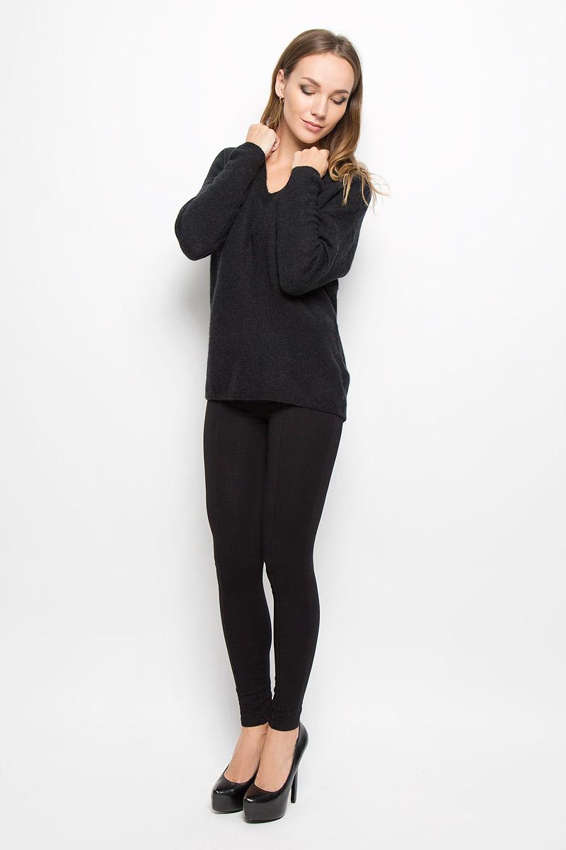 Пуловер женский Selected Femme, цвет: черный. 16051606. Размер S (42)16051606_BlackСтильный женский пуловер Selected Femme, выполненный из сочетания высококачественных материалов, необычайно мягкий и приятный на ощупь, не сковывает движения, обеспечивая наибольший комфорт.Модель с V-образным вырезом горловины и длинными рукавами великолепно сидит. Пушистый пуловер мелкой вязки поможет вам создать стильный современный образ в стиле Casual.Этот удобный и стильный пуловер станет отличным дополнением к вашему гардеробу. В нем вы всегда будете чувствовать себя уютно в прохладное время года.