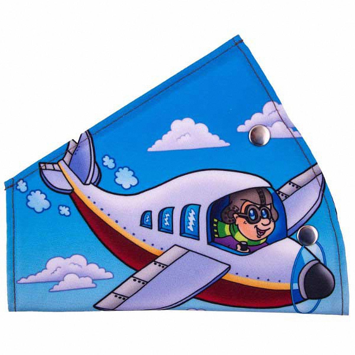 Адаптер ремня безопасности Skyway СамолетикS04007012Детский адаптер ремня безопасности, изготовленный из полиэстера и декорированный красочным рисунком, удерживает ремень безопасности в положении, удобном для человека небольшого роста. Удерживающее устройство можно установить на любой трёхточечный ремень безопасности. Подходит для ремней безопасности как слева, так и справа. При перевозке ребёнка до 12 лет адаптер ремня безопасности разрешено устанавливать только на ремни заднего сиденья.Адаптер прост в установке, легко фиксируется при помощи быстрозастегивающегося крепления.Изделие уменьшает давление ремней на тело ребёнка, удаляет ремень от лица ребенка, обеспечивая ему комфорт во время поездок.Тип крепления: кнопки.